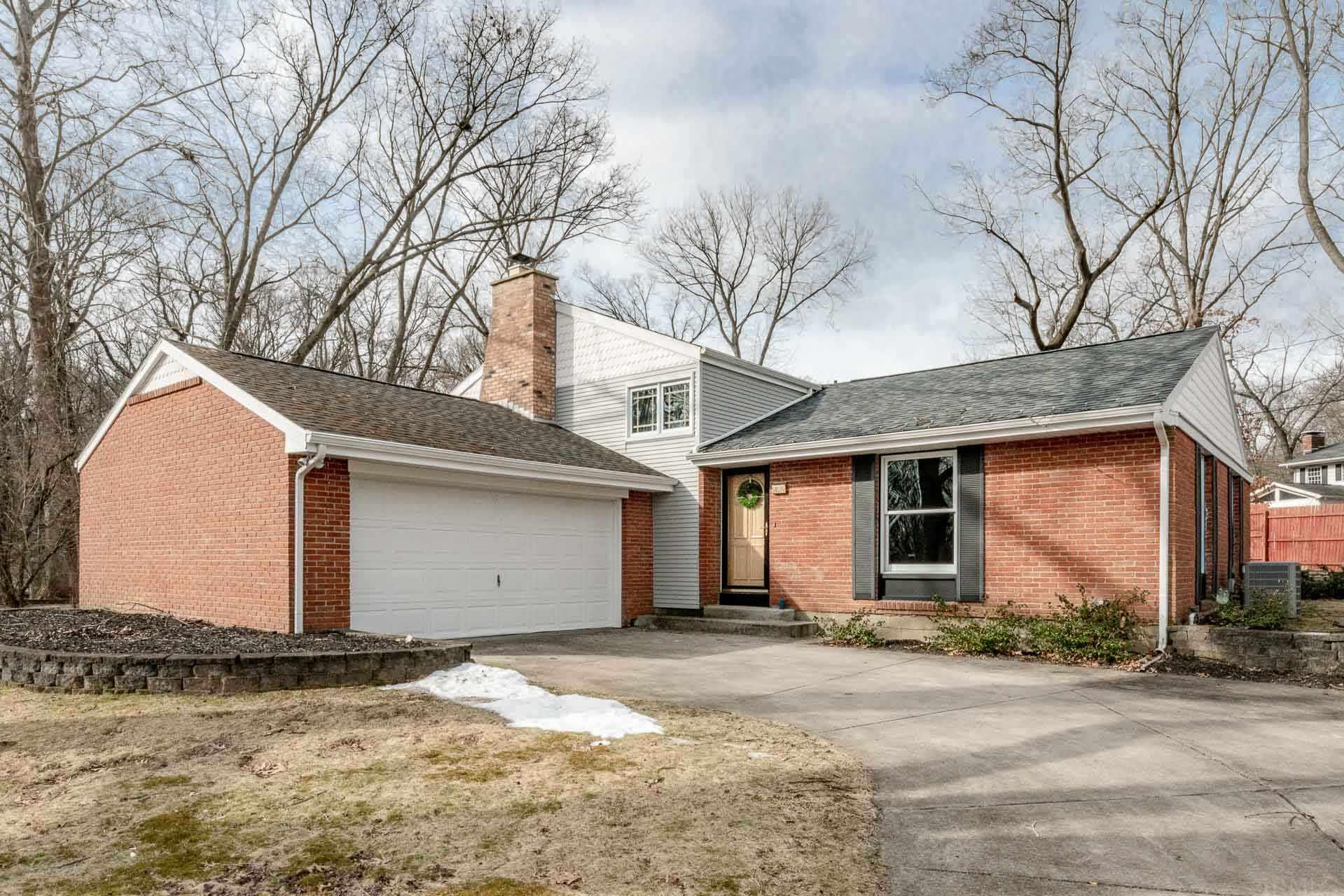 50515 Fernwood South Bend, IN 46628