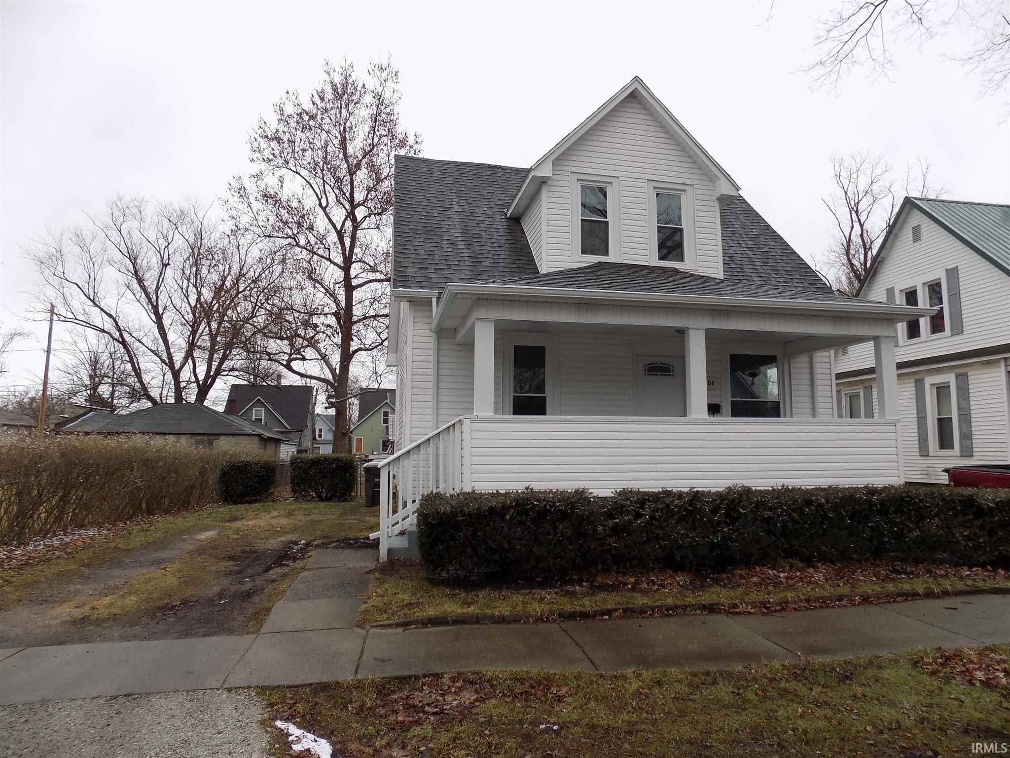 1706 Lane Elkhart, IN 46516