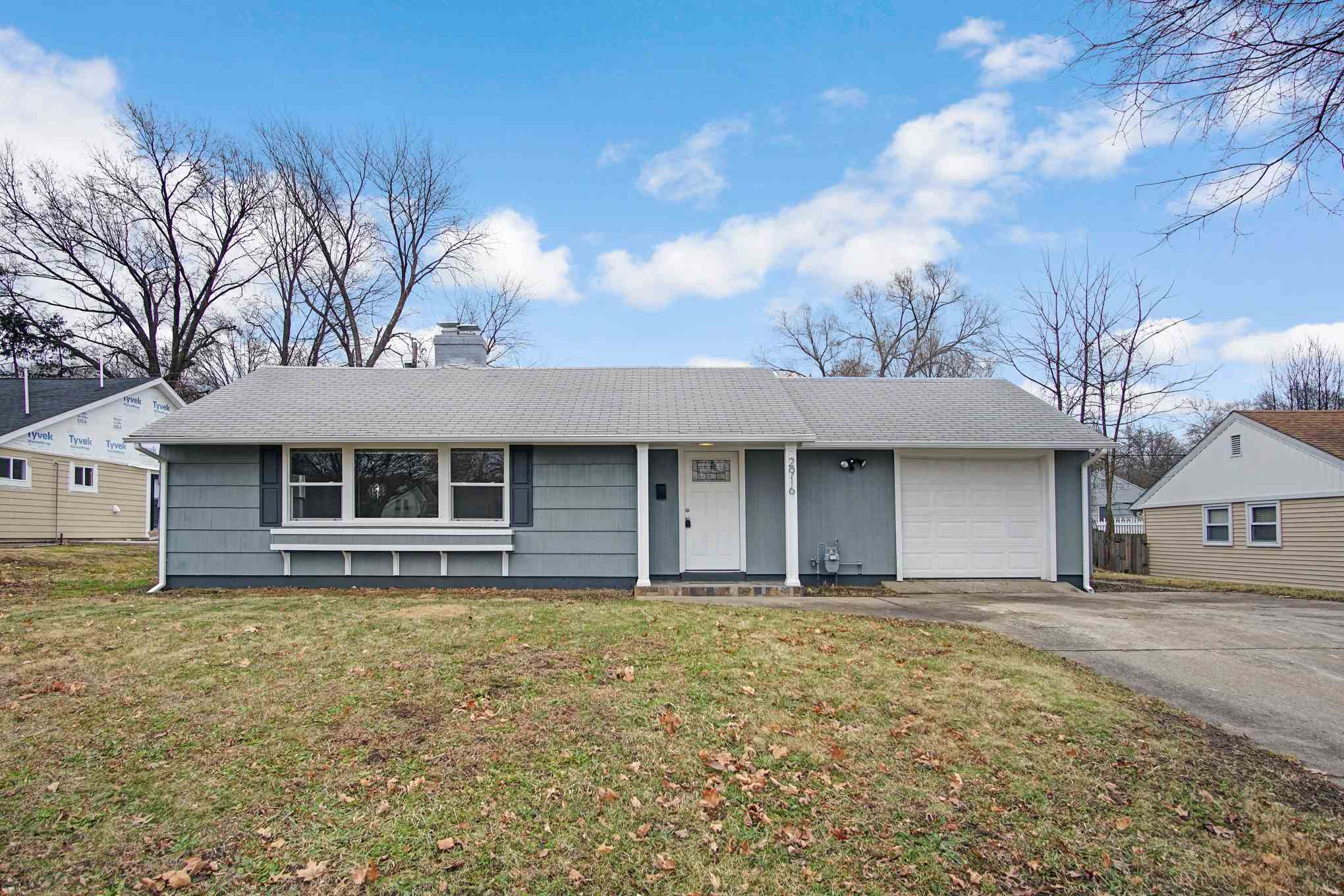2916 S Hilltop South Bend, IN 46614