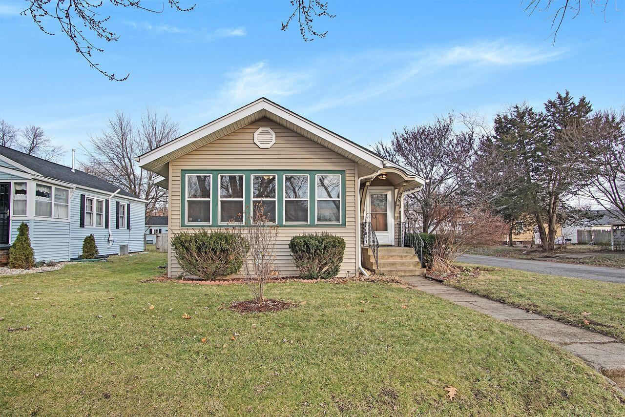 946 S 36th South Bend, IN 46615