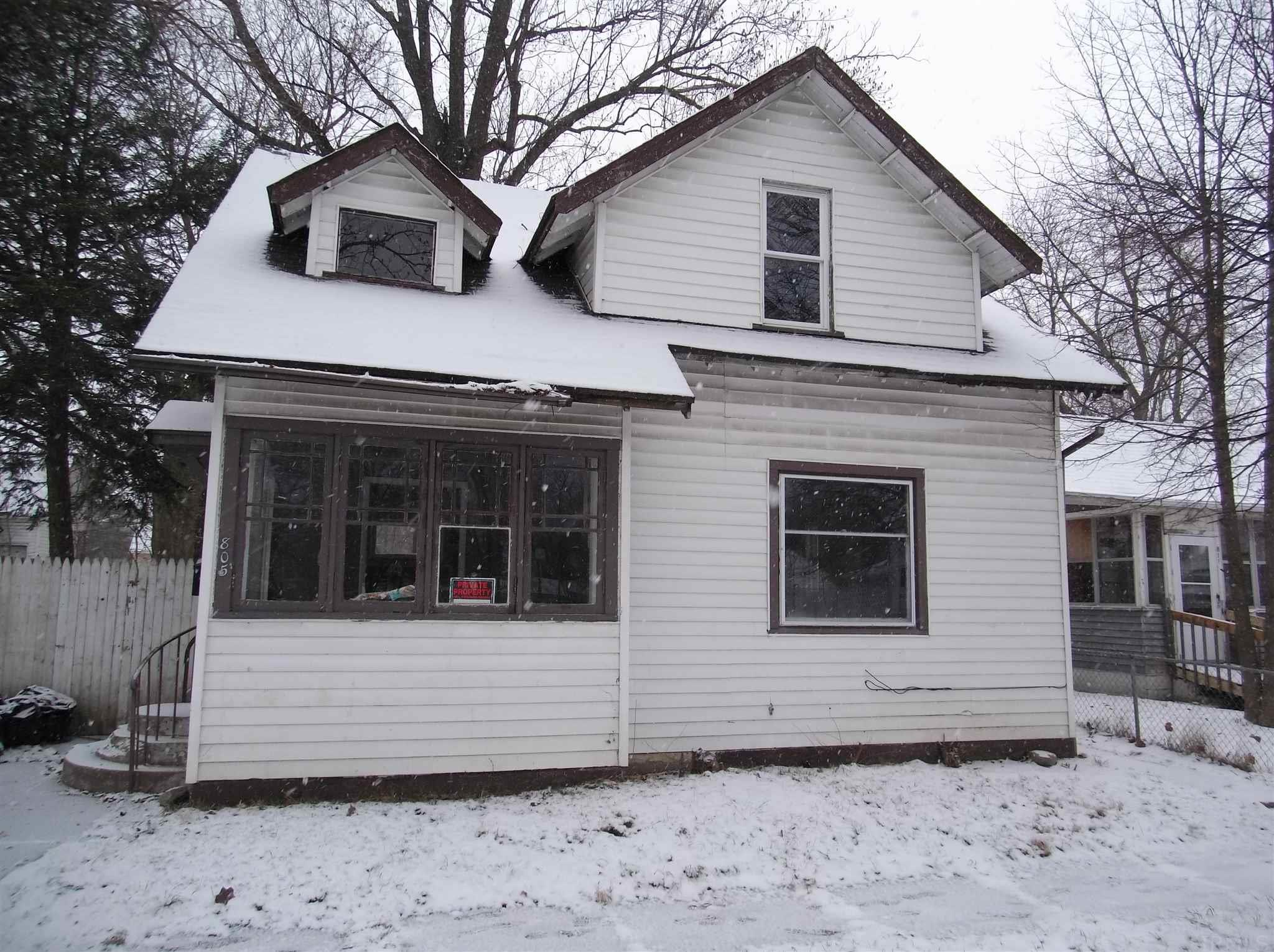 805 Blaine South Bend, IN 46616