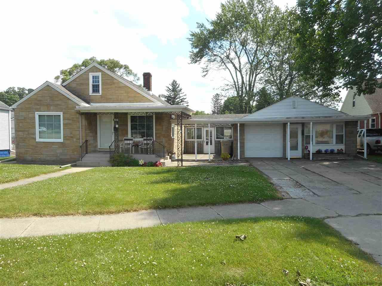3018 Ardmore South Bend, IN 46628
