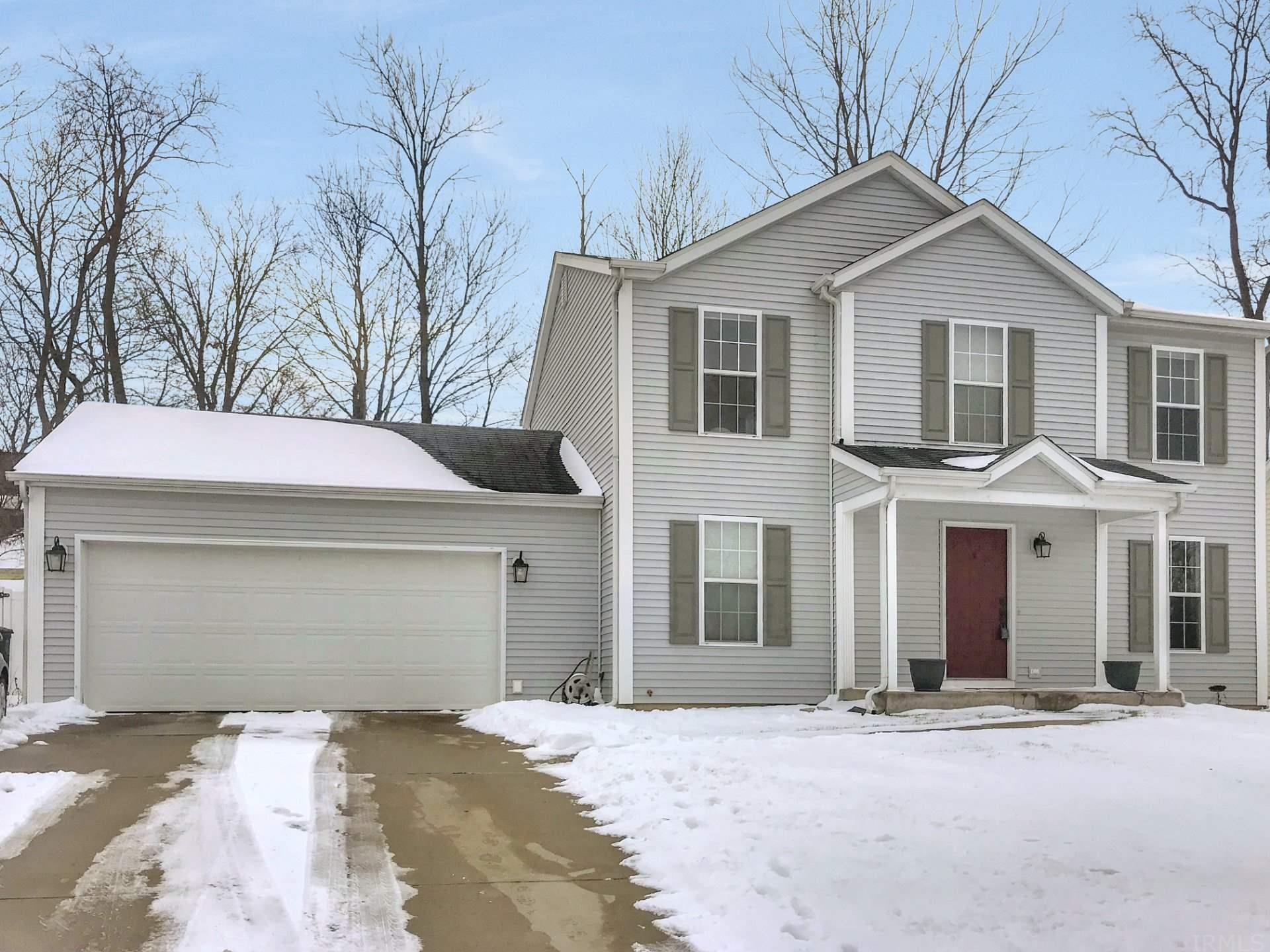 2318 Chesire South Bend, IN 46614