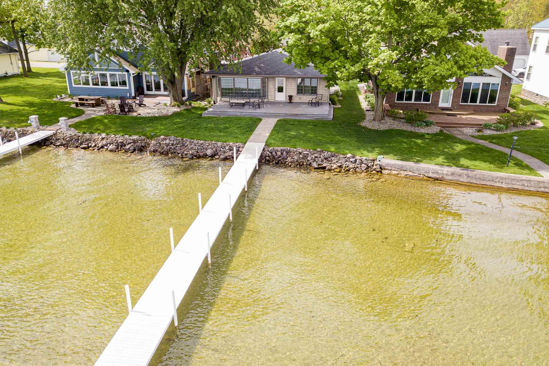 8256 E Highland View Syracuse, IN 46567
