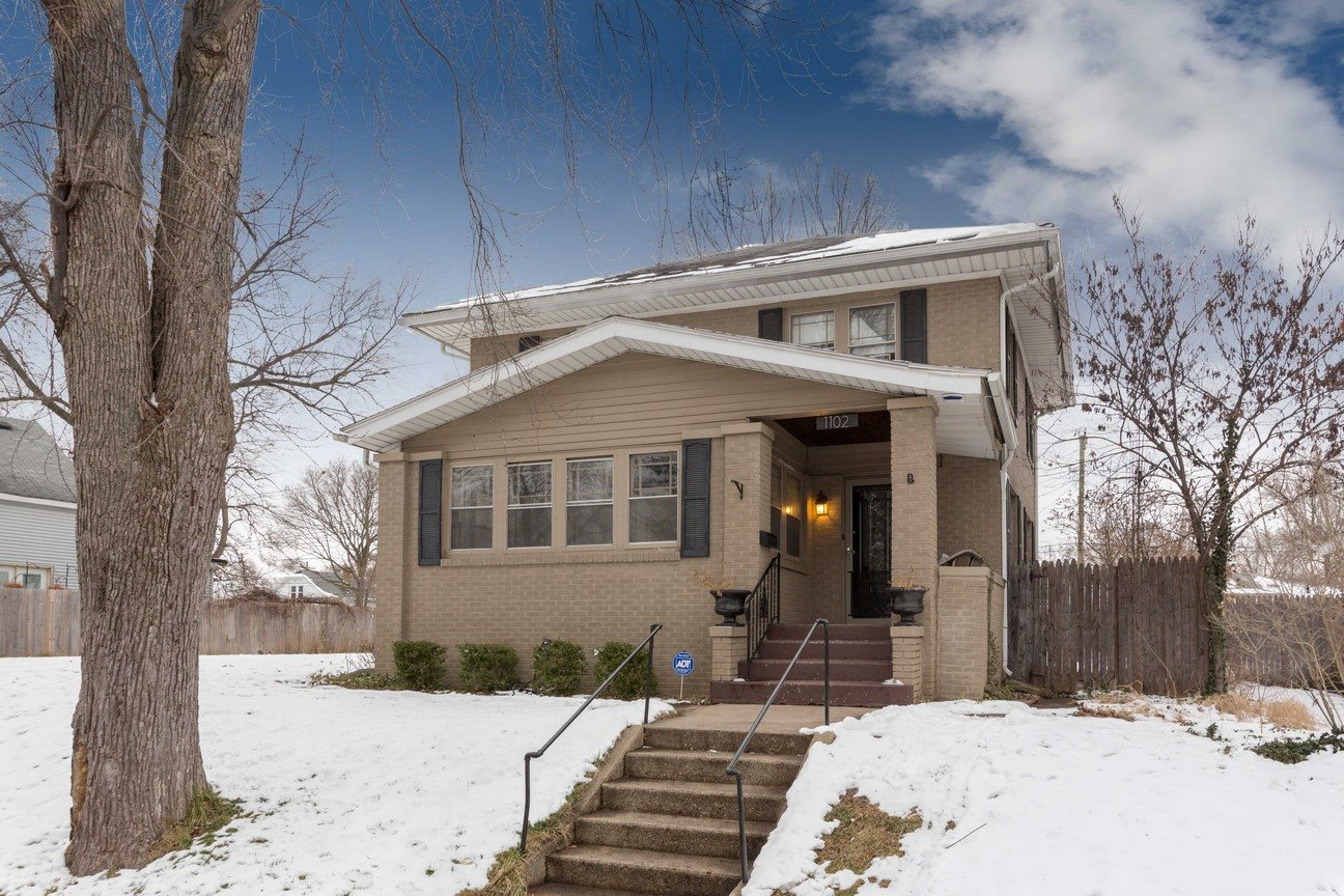 1102 Clover South Bend, IN 46615