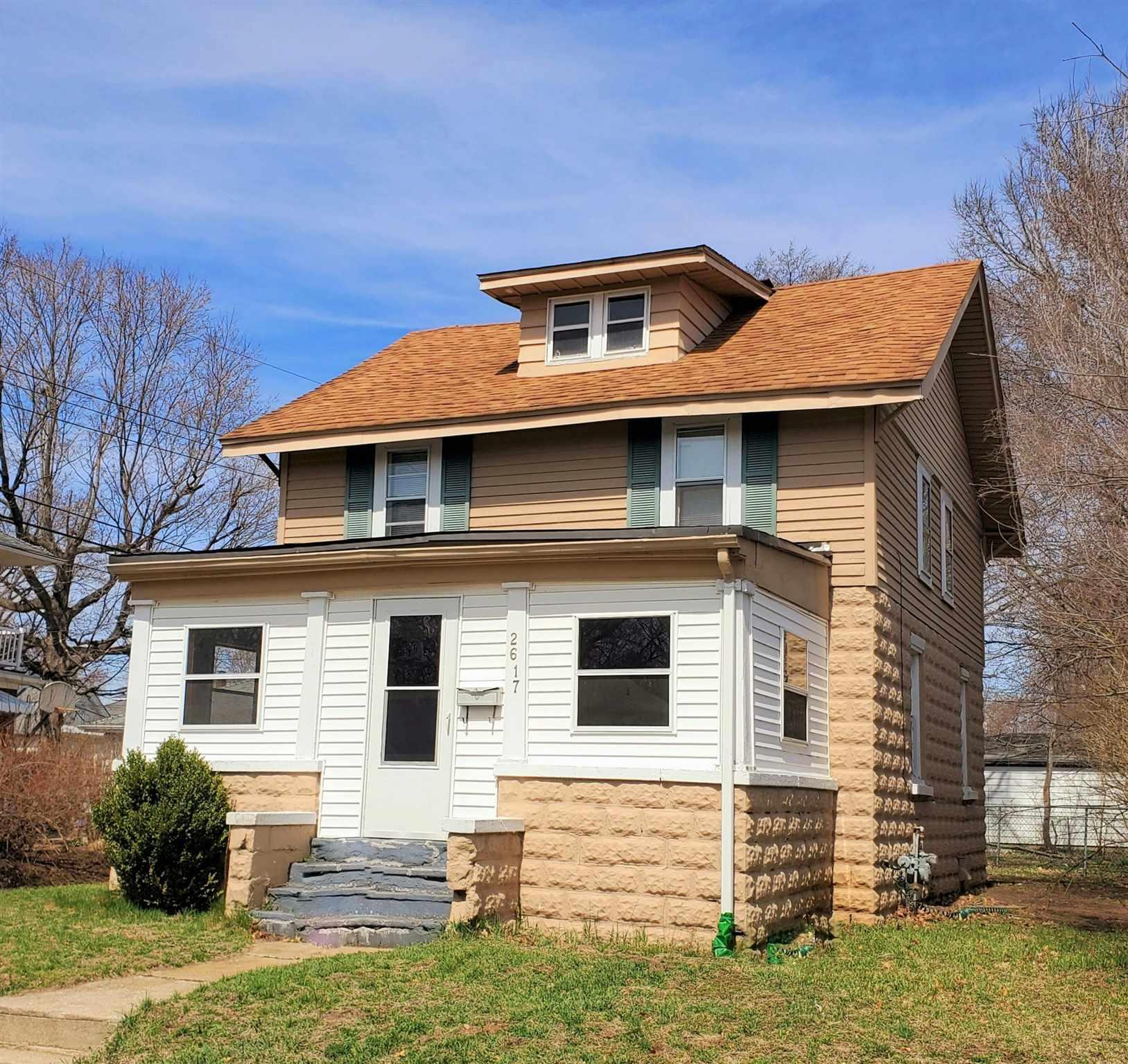 2617 Pleasant South Bend, IN 46615