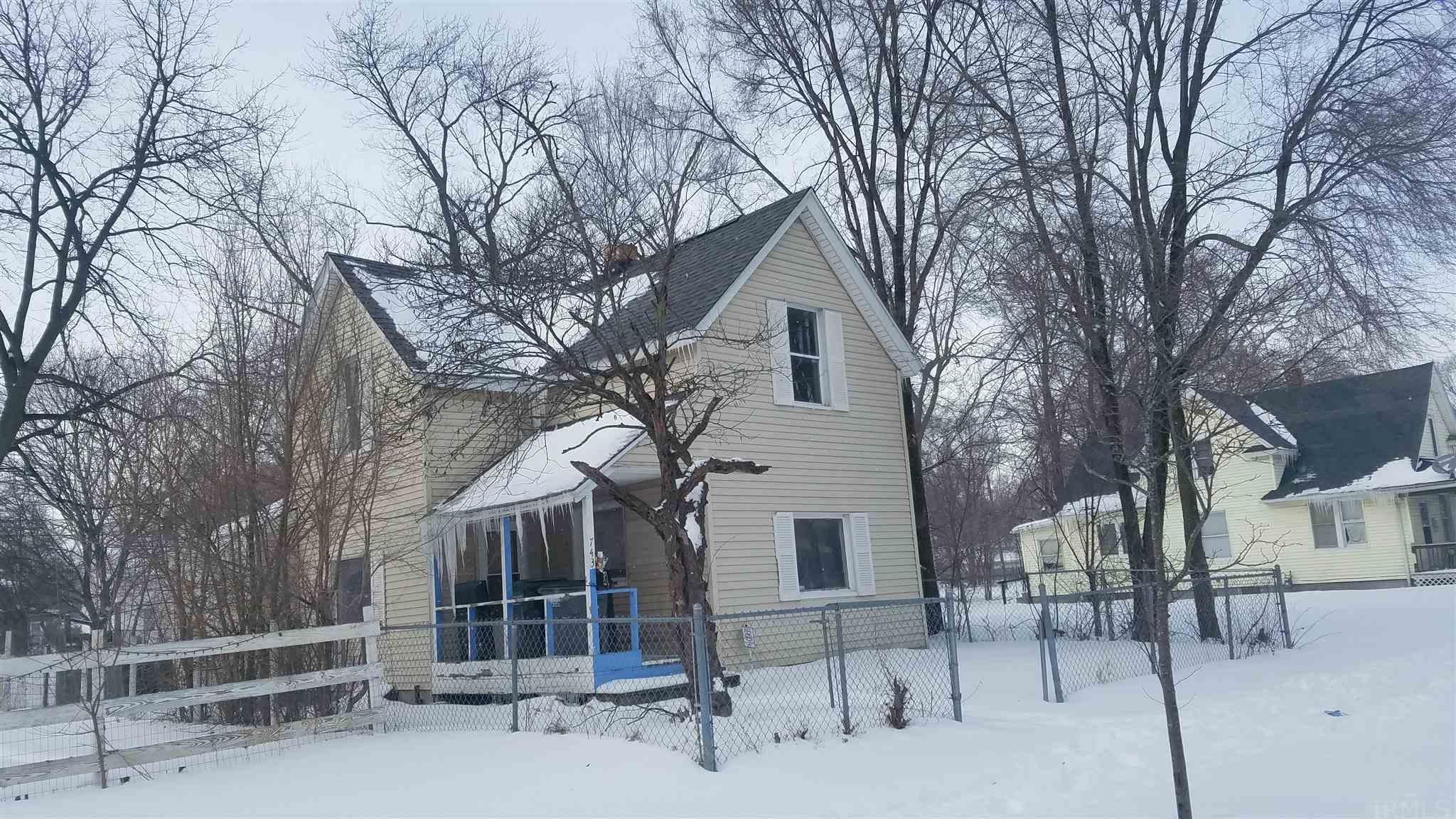 743 Diamond South Bend, IN 46628