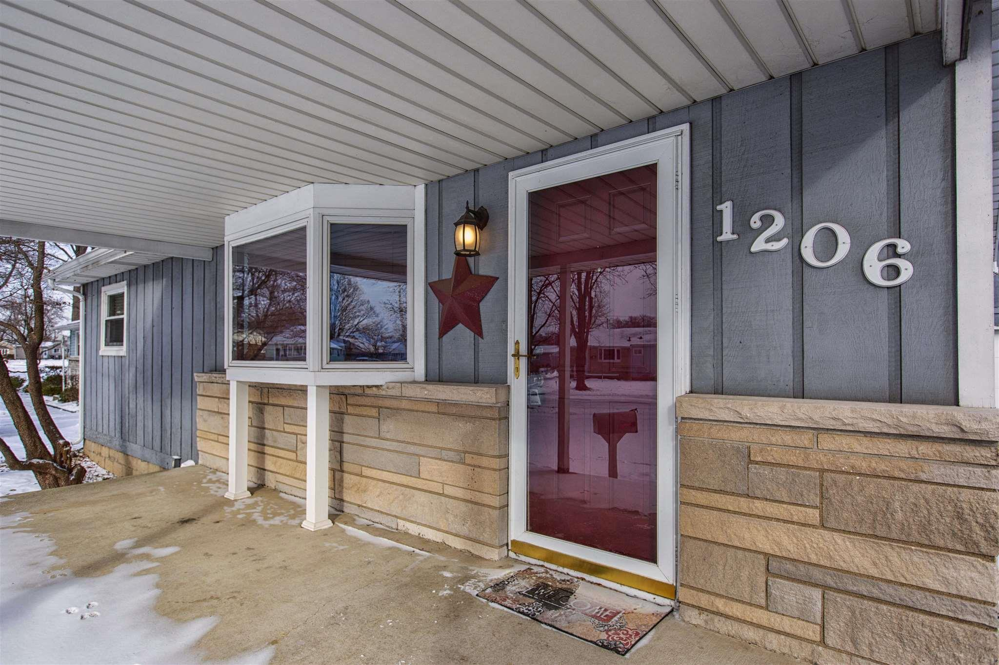 1206 Congress South Bend, IN 46615