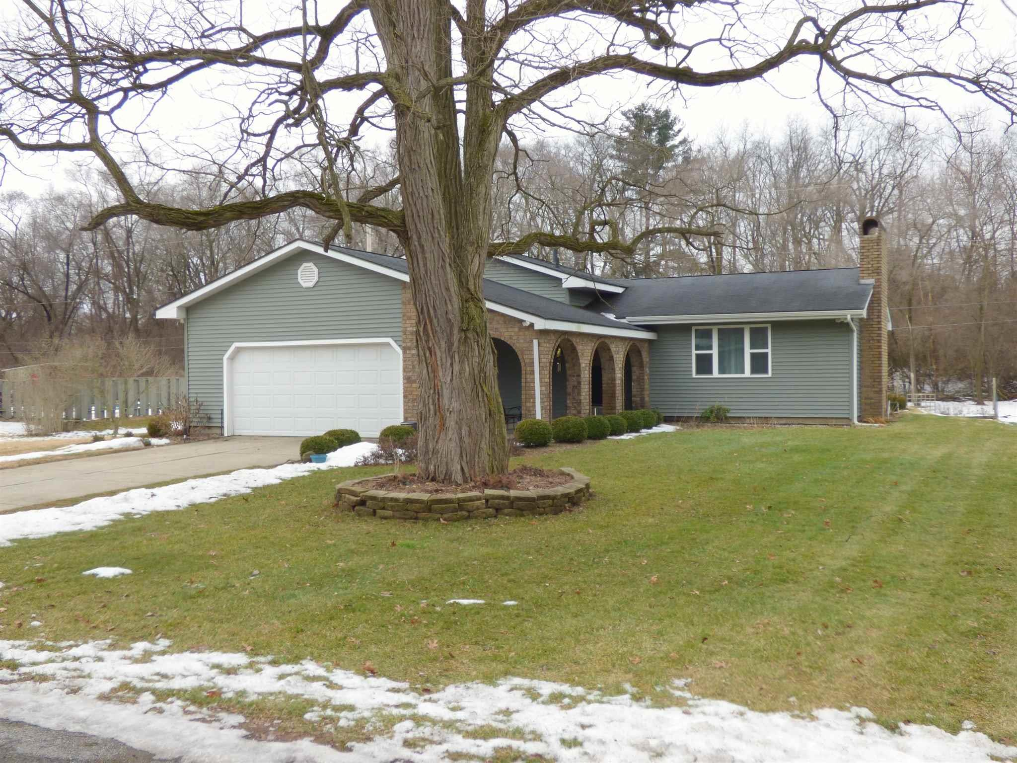 53253 Ridgewood South Bend, IN 46637