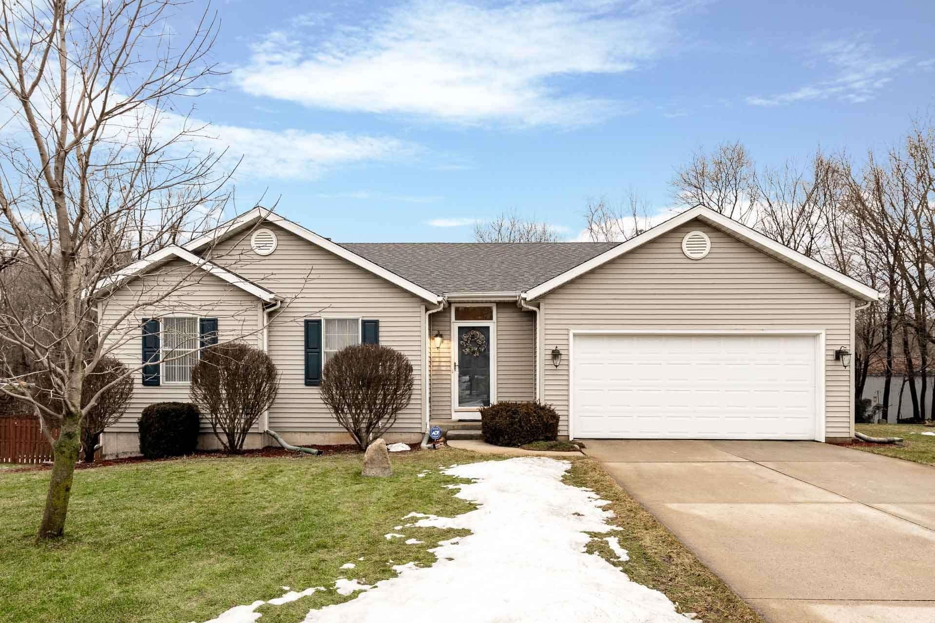 22287 Sandy Hill South Bend, IN 46628