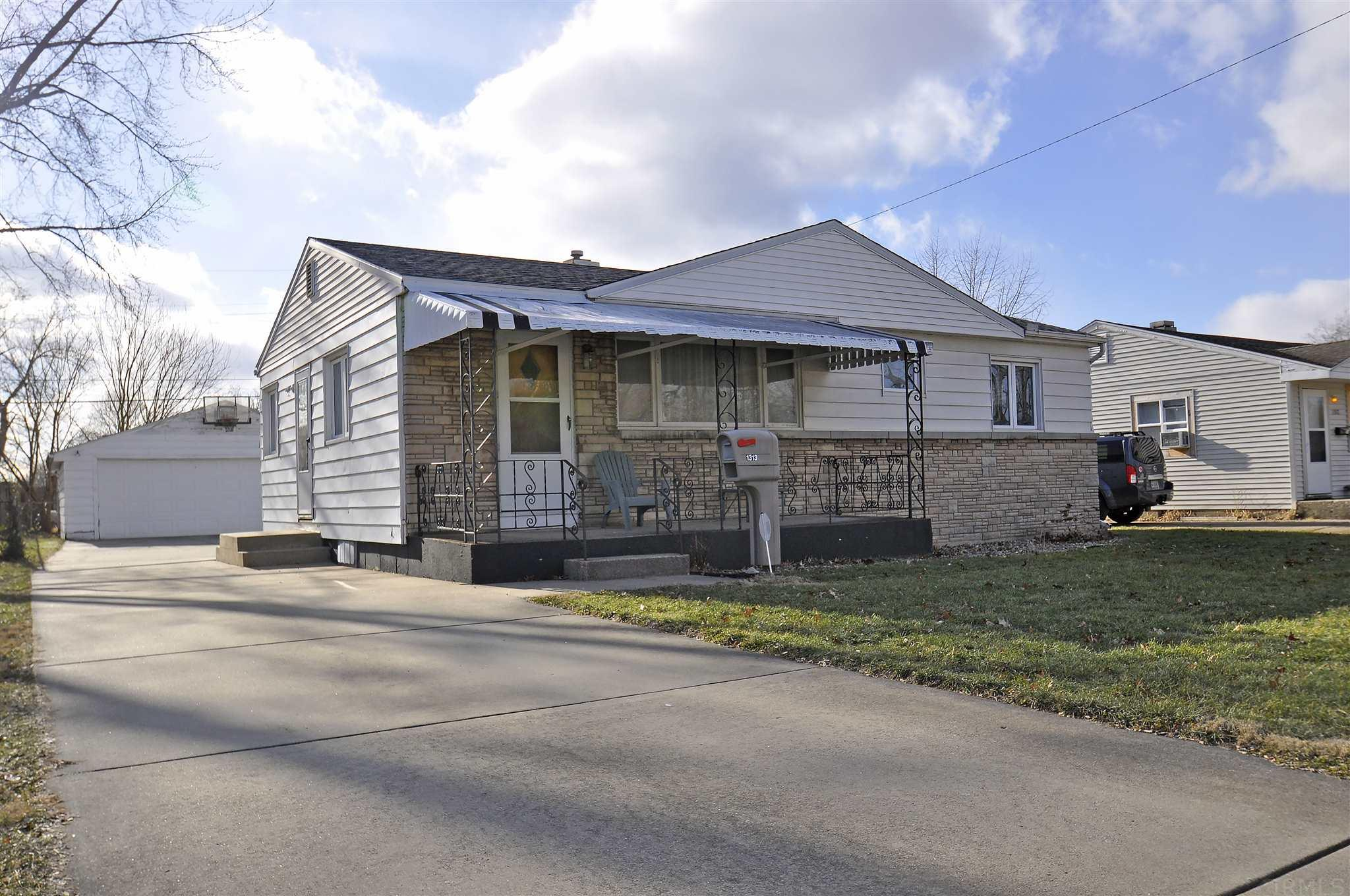 1313 Pyle South Bend, IN 46615