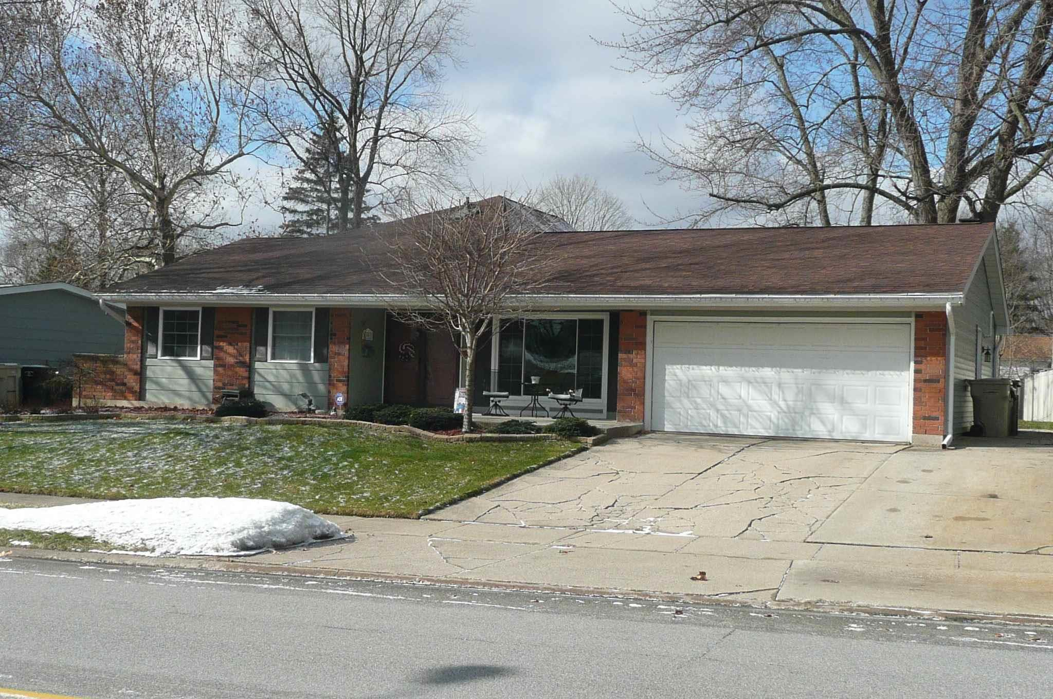 4901 York South Bend, IN 46614