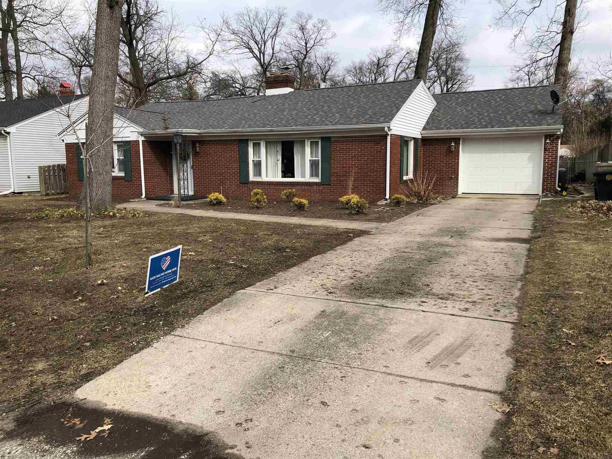 222 Wildemere South Bend, IN 46615