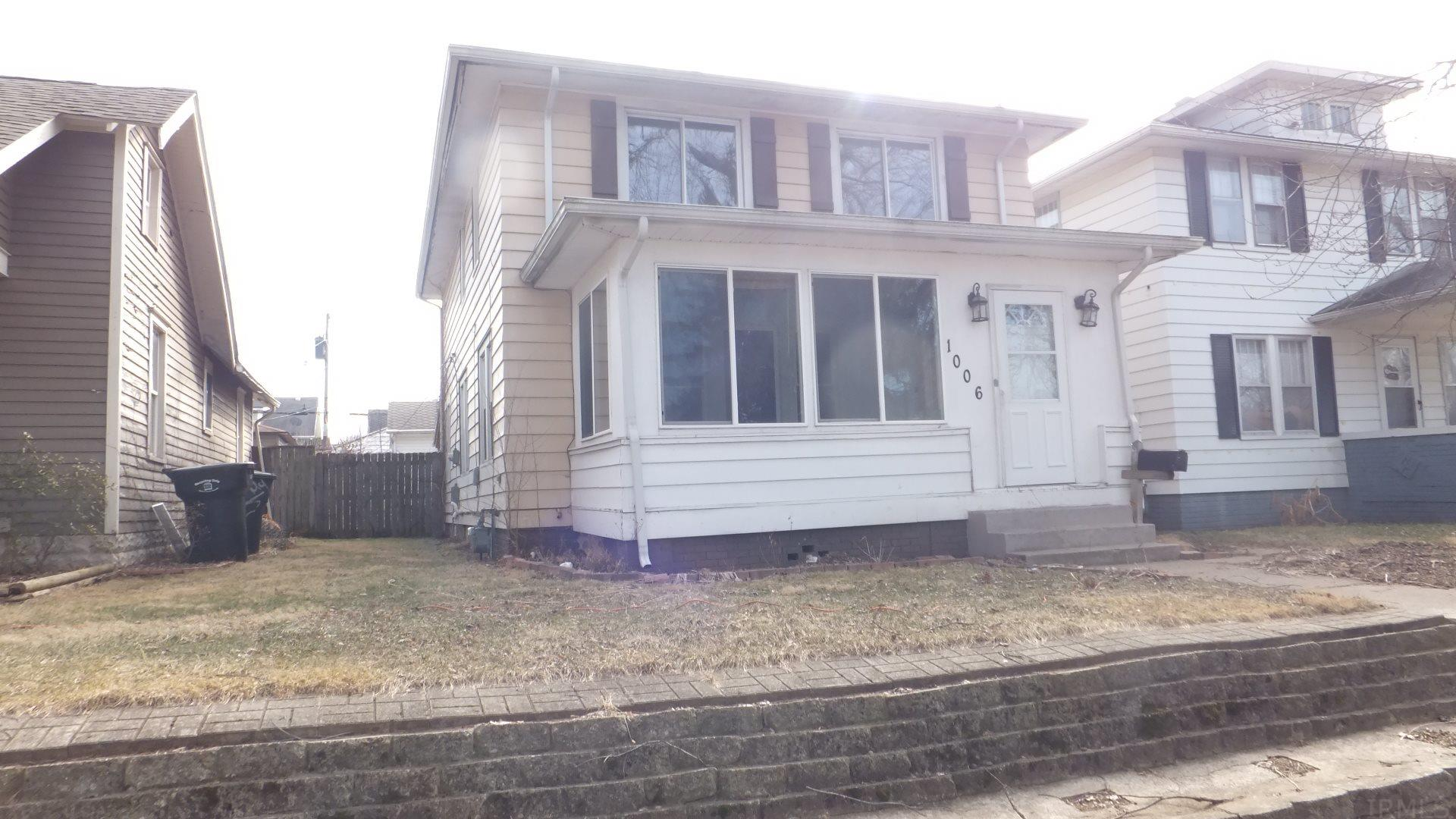 1006 Victoria South Bend, IN 46613