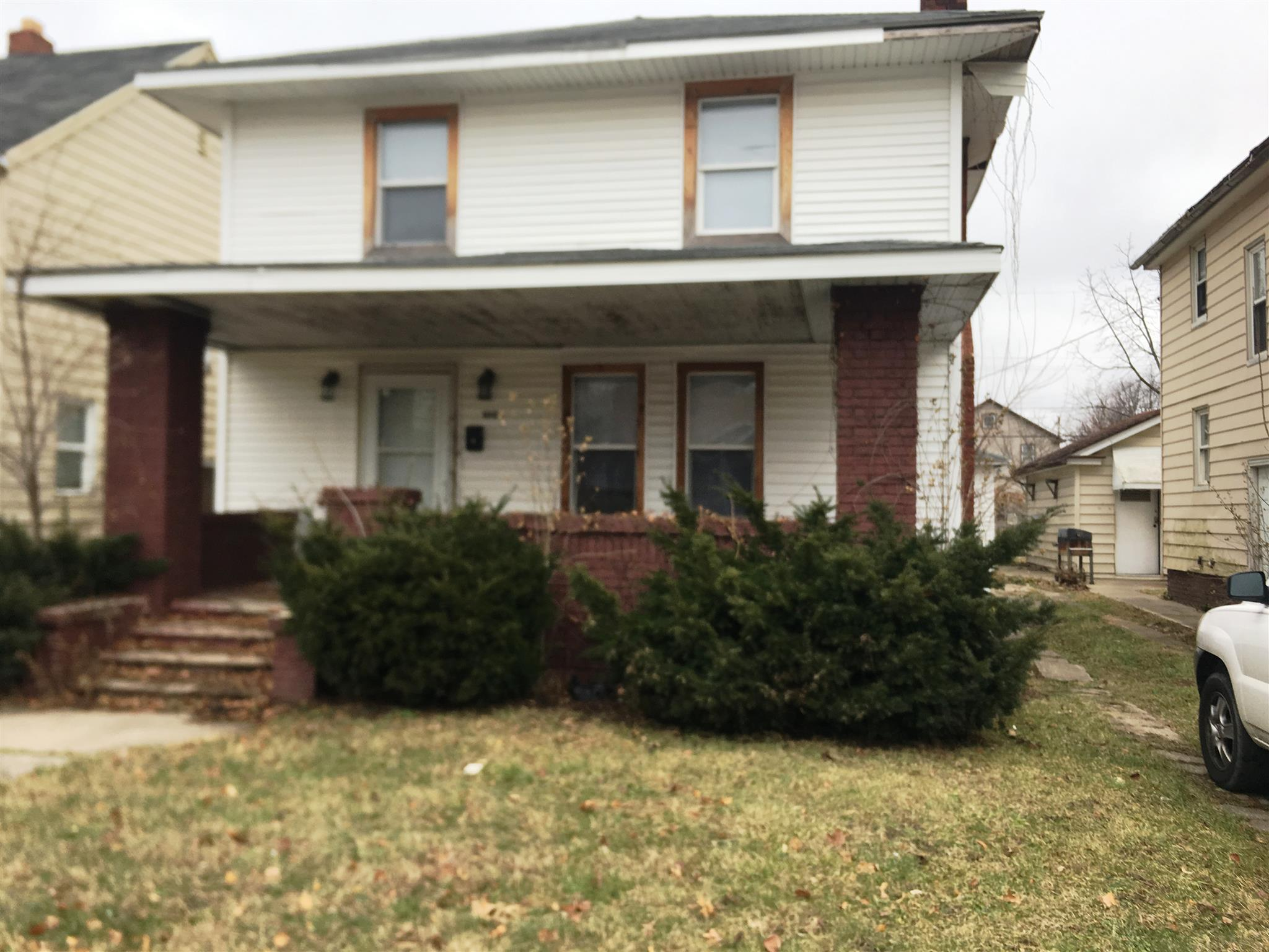 1006 Diamond South Bend, IN 46628