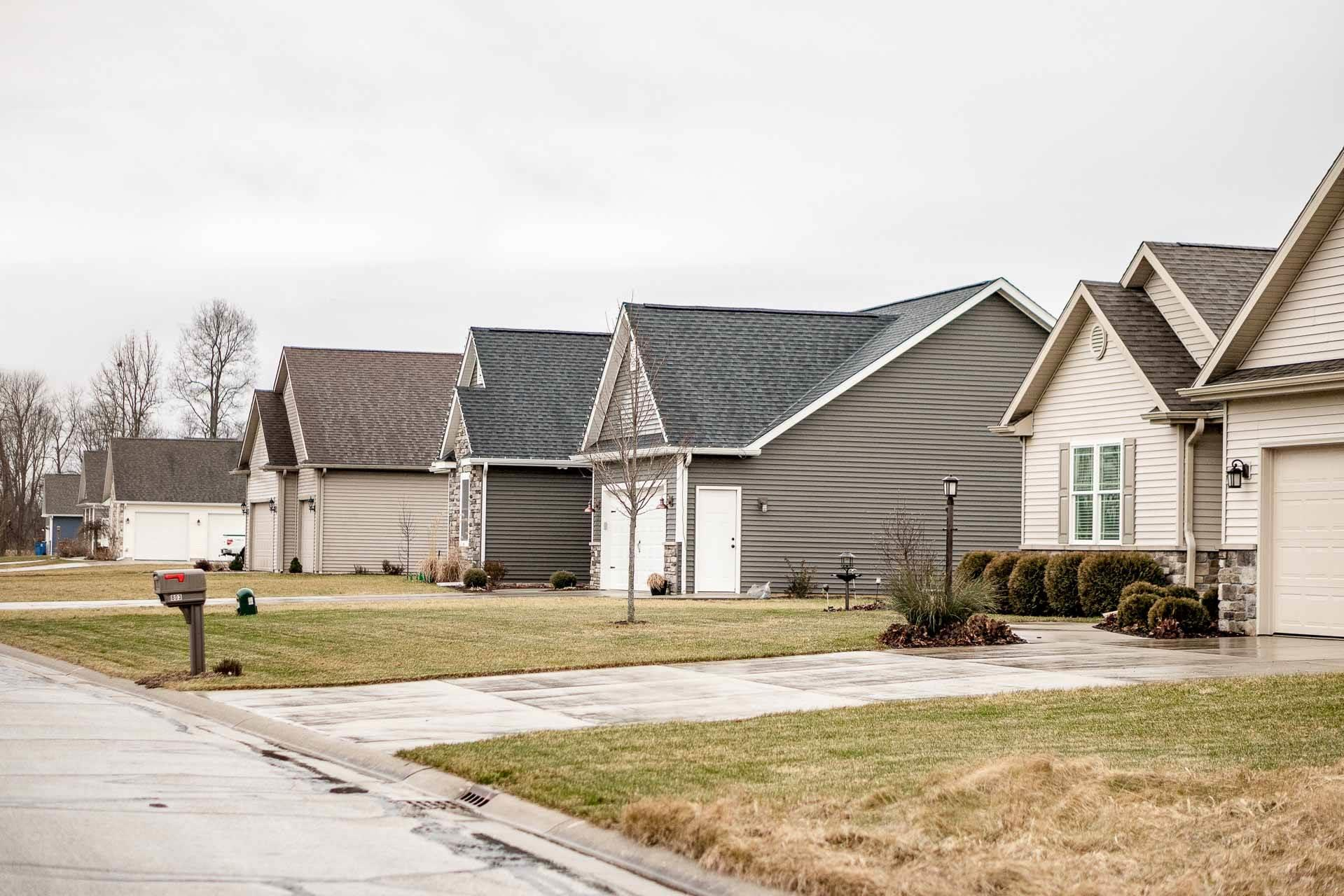 805 Breezewood Lakeville, IN 46536
