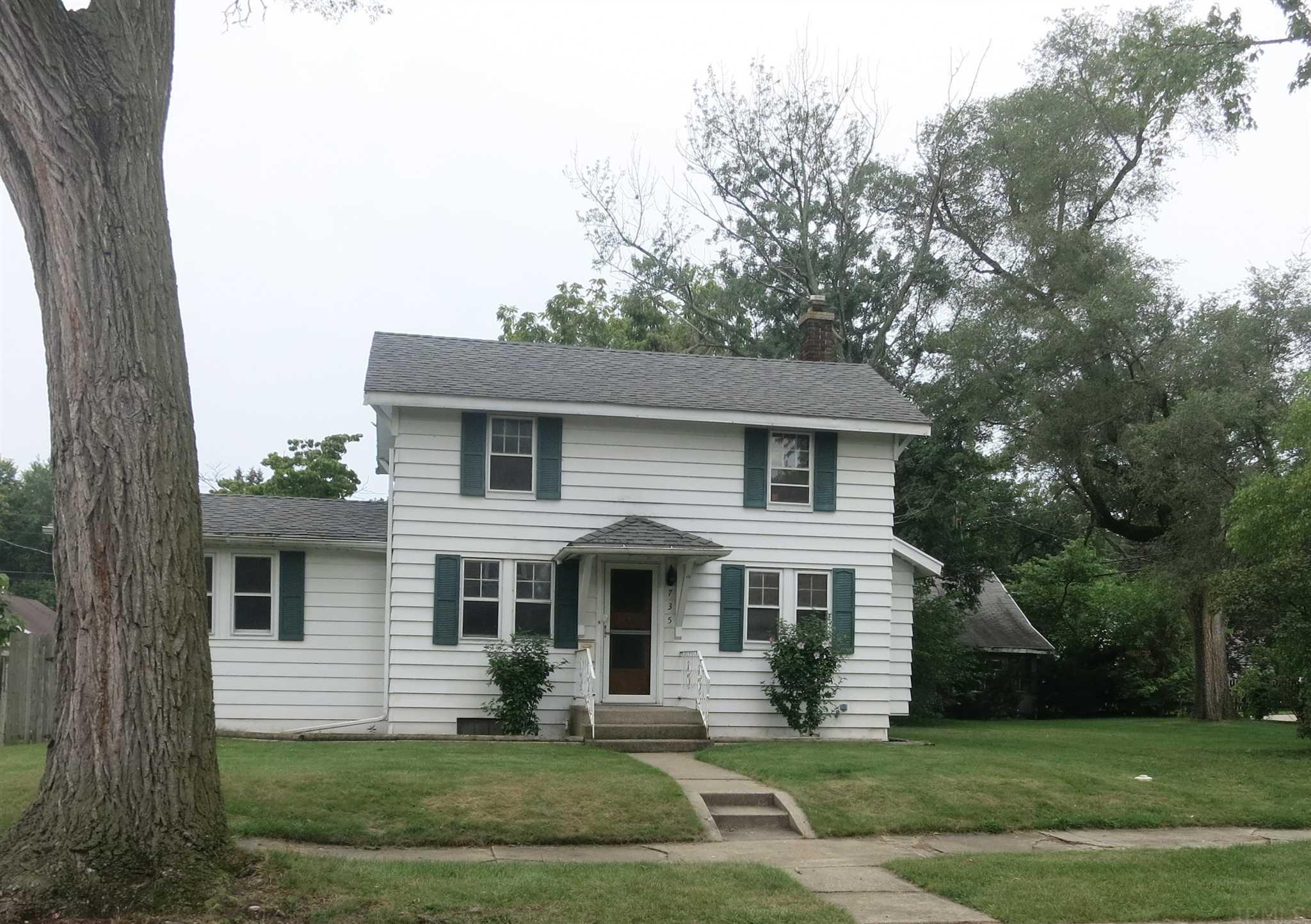 735 S 23RD South Bend, IN 46615