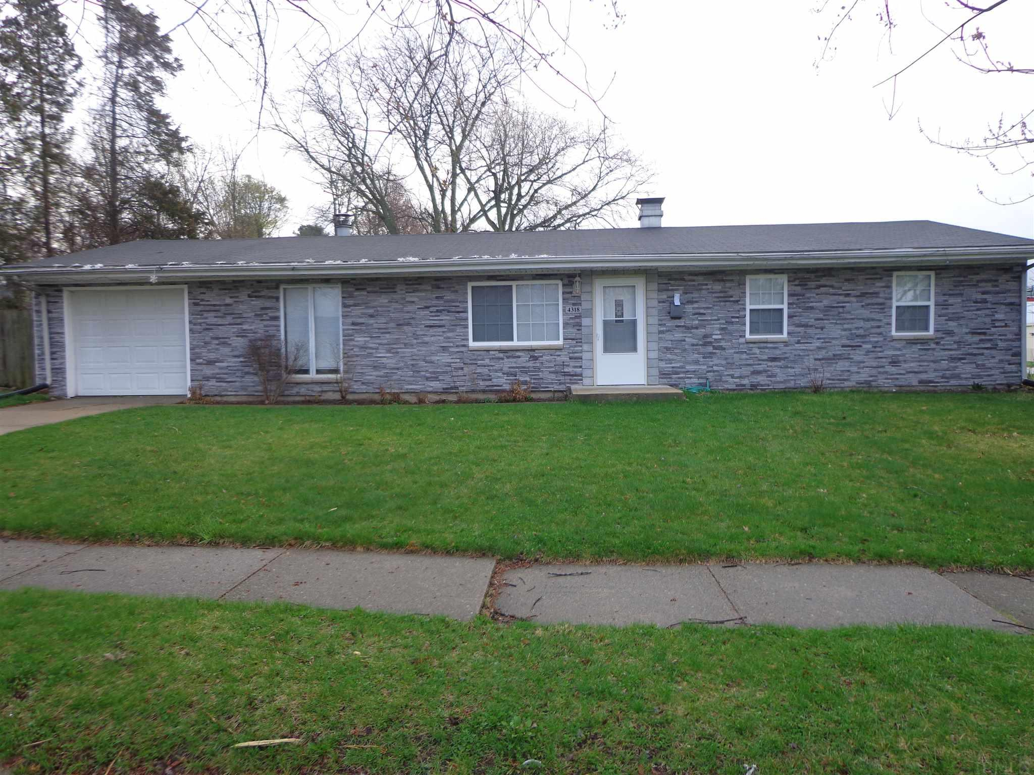 4318 Norton South Bend, IN 46614