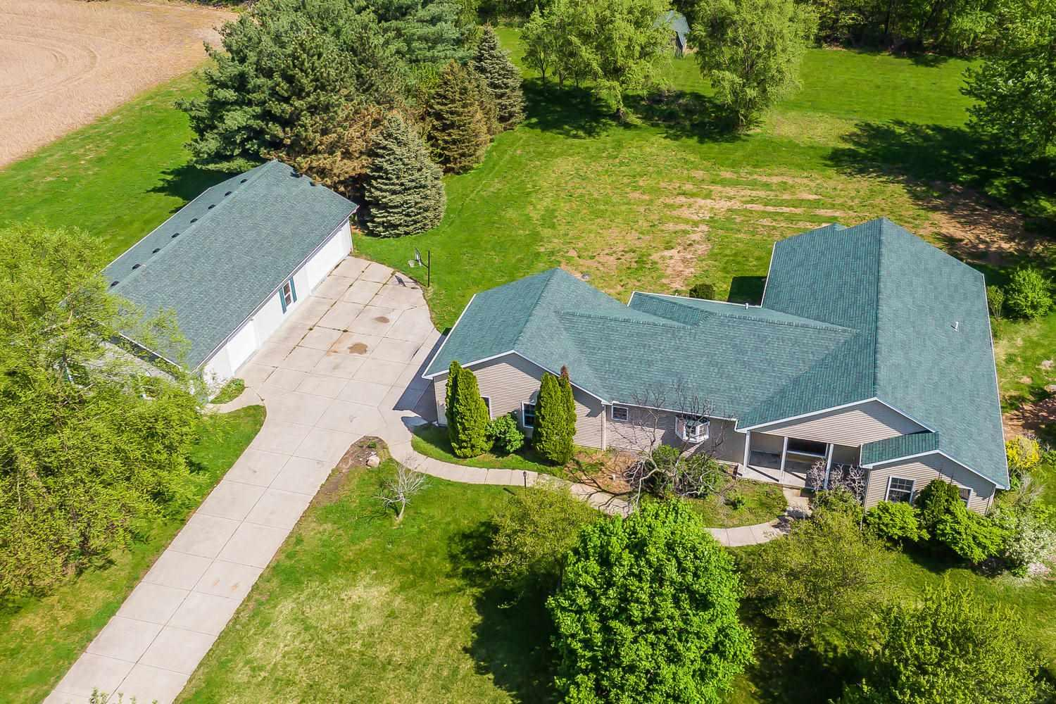 61451 Crumstown North Liberty, IN 46554
