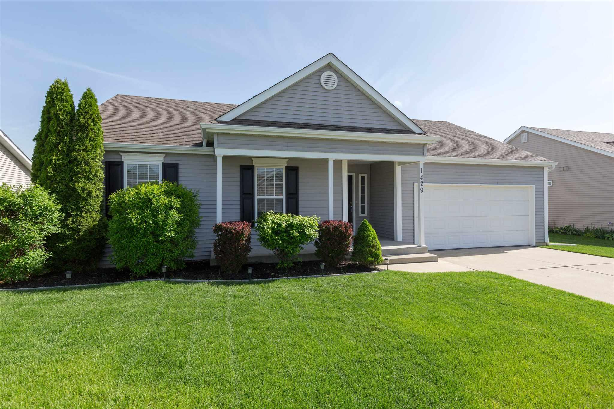 1429 Tall Grass Prairie Mishawaka, IN 46544
