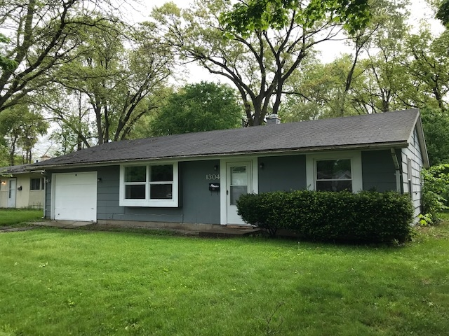 1304 Ebeling South Bend, IN 46615