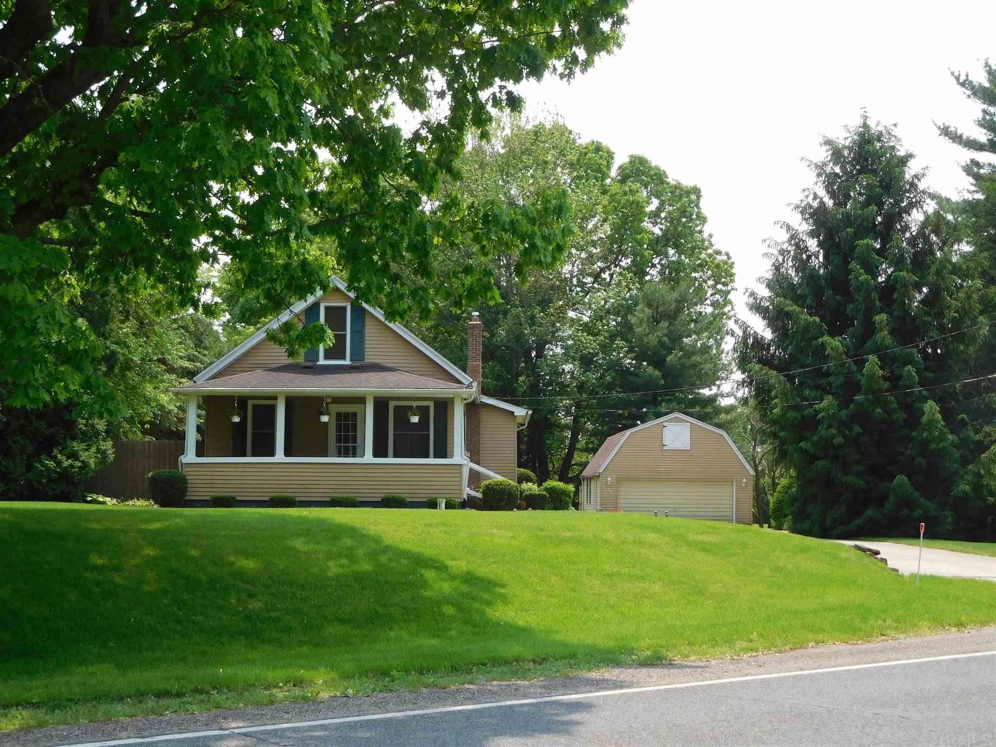57212 Crumstown South Bend, IN 46619