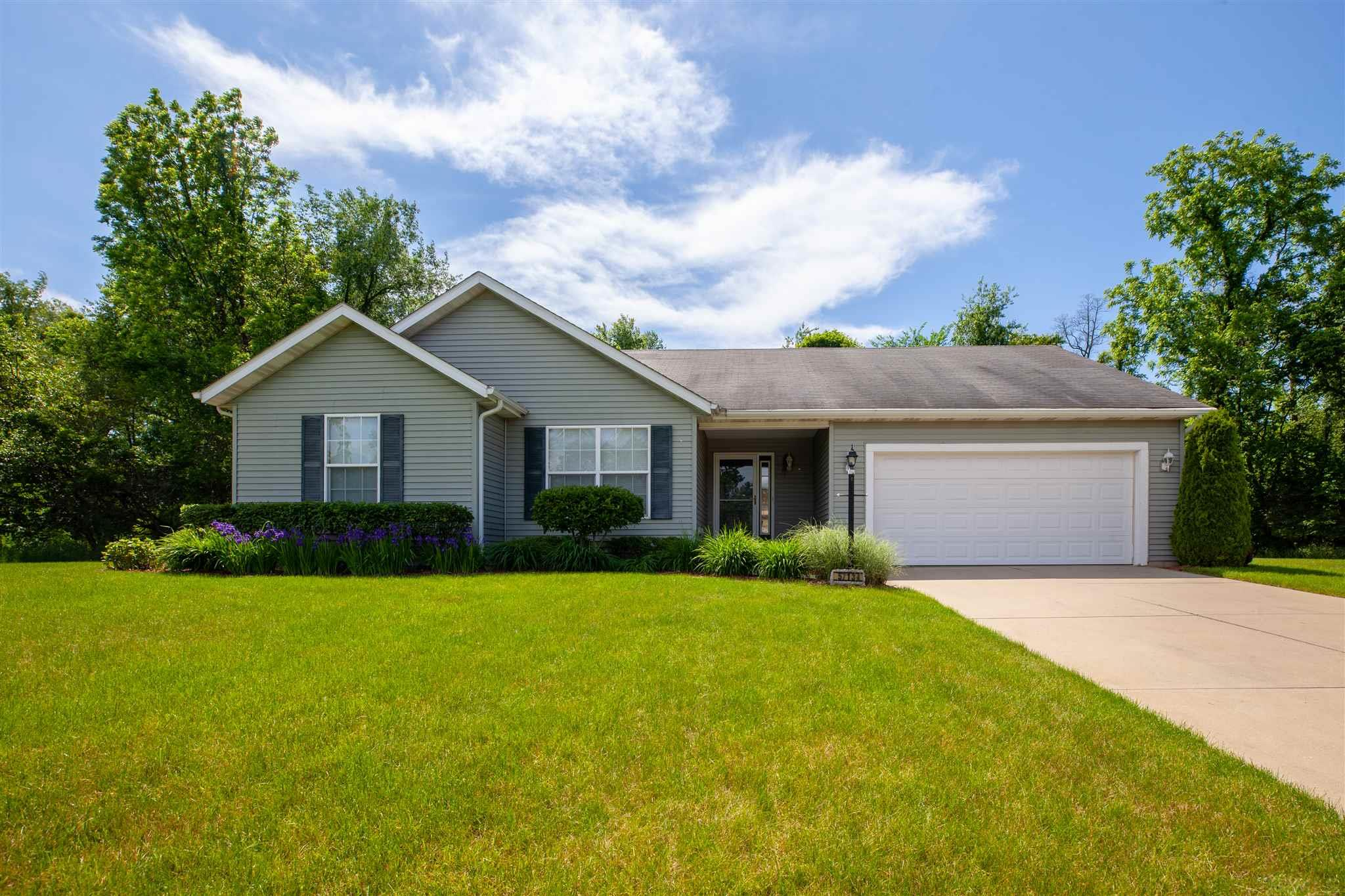 57143 Pine Needle South Bend, IN 46619