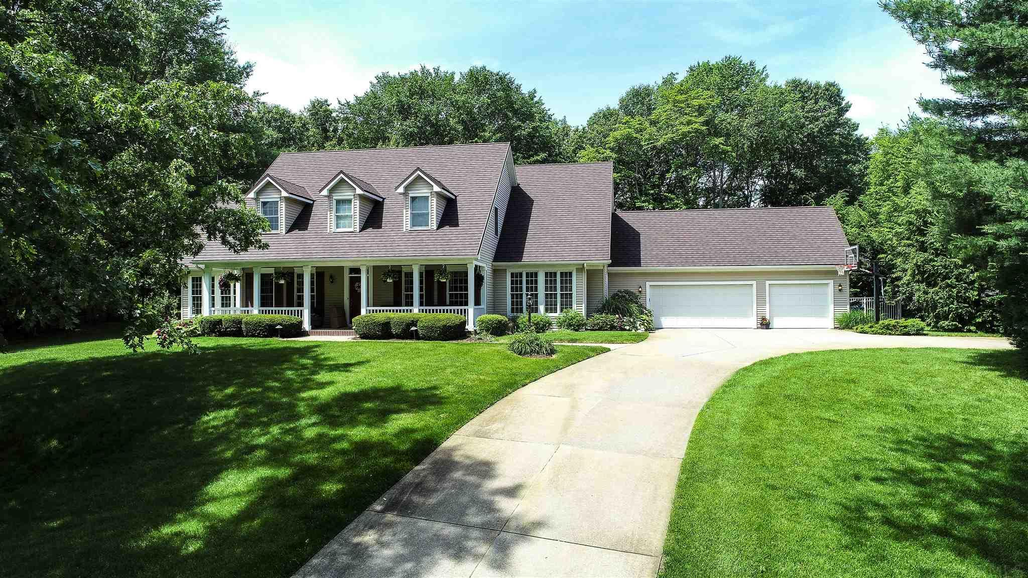 51885 Meadow Creek Elkhart, IN 46514