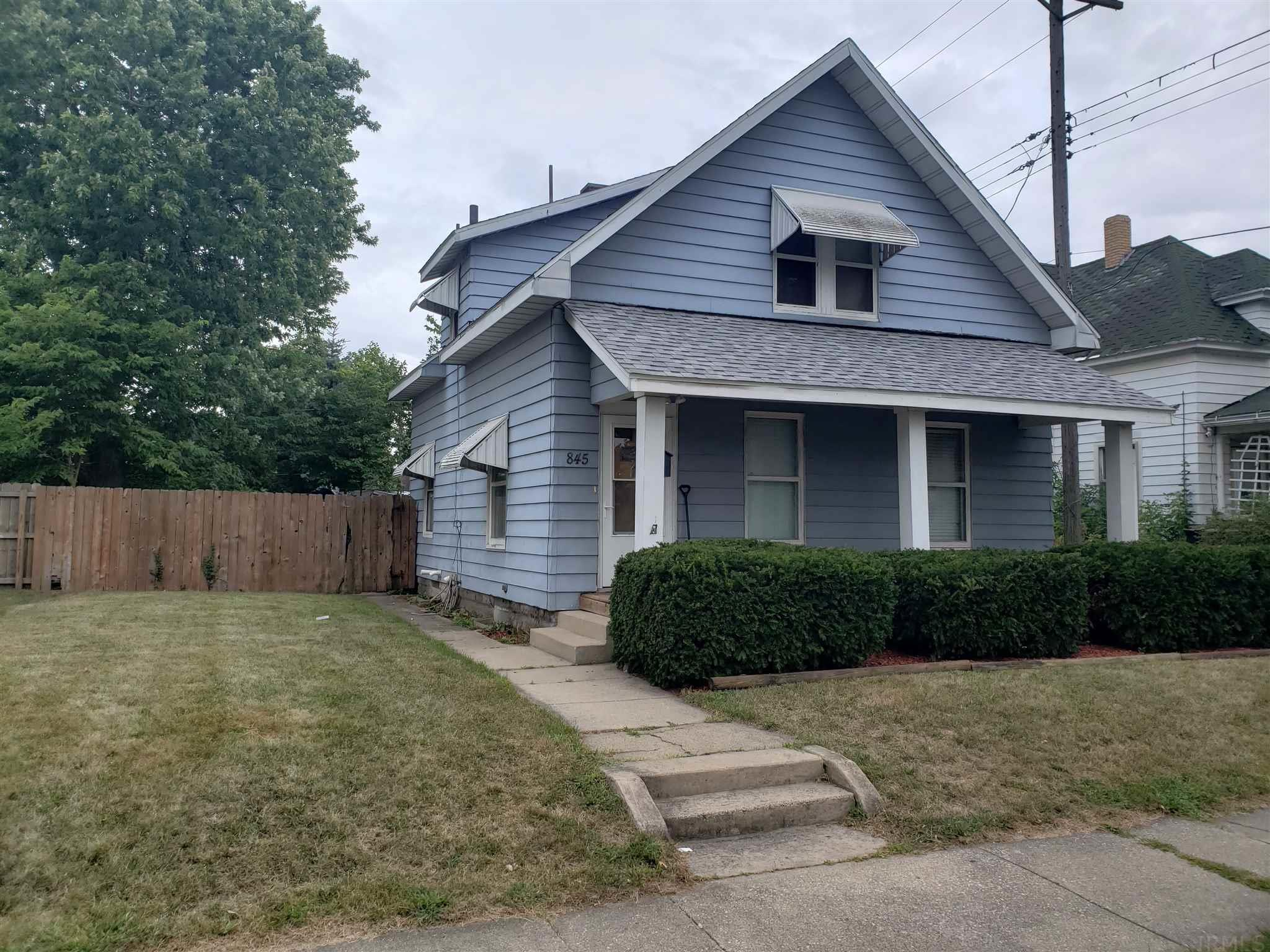 845 S 28TH South Bend, IN 46615