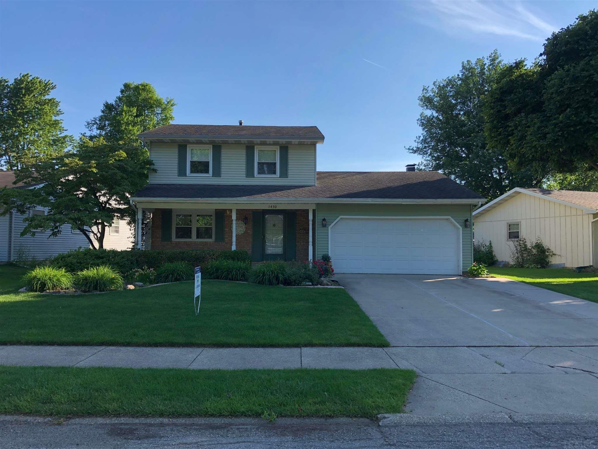 1430 Cambridge South Bend, IN 46614