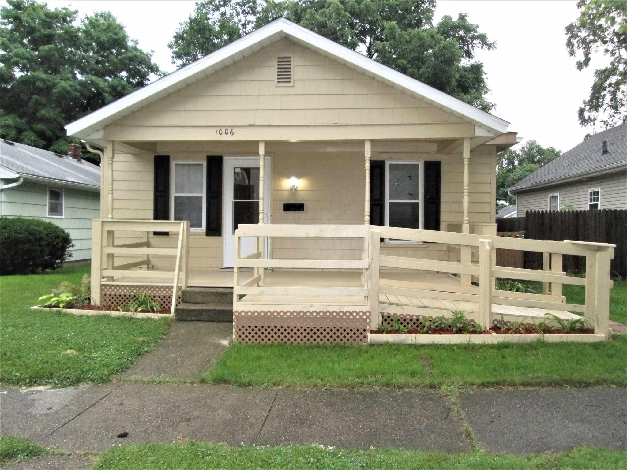 1006 S 35TH South Bend, IN 46615