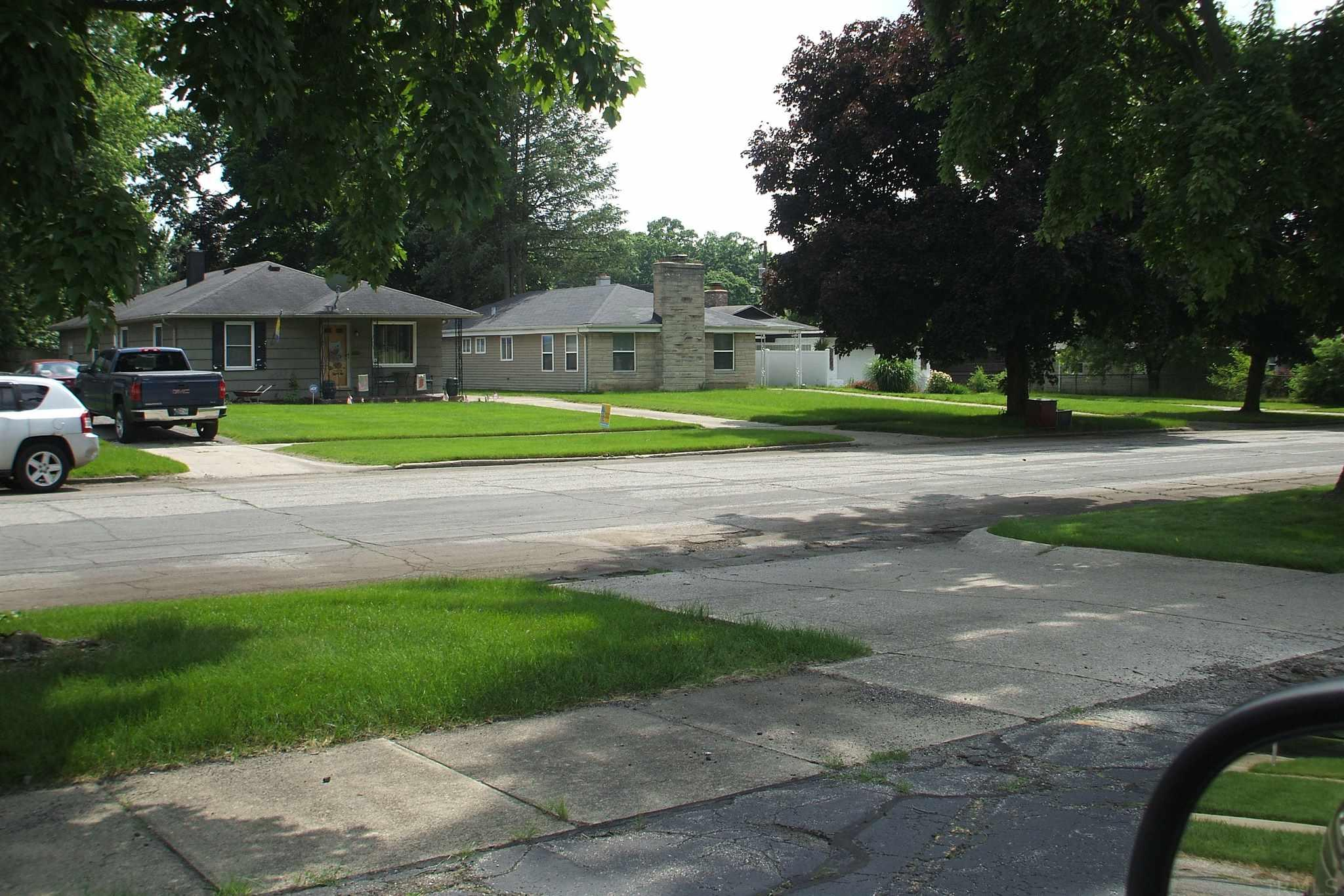 2214 E Washington South Bend, IN 46615