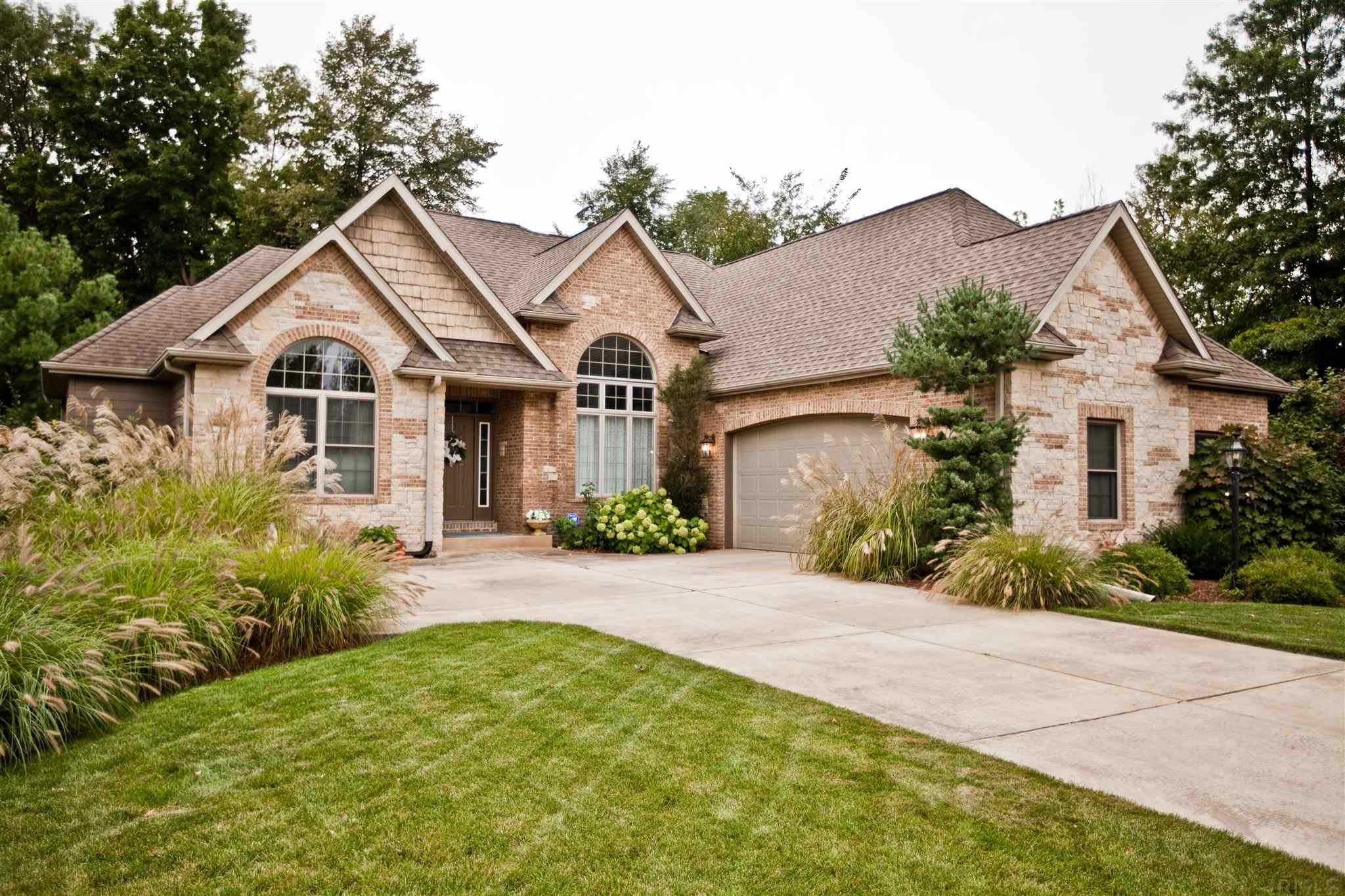 2716 Redfawn South Bend, IN 46614