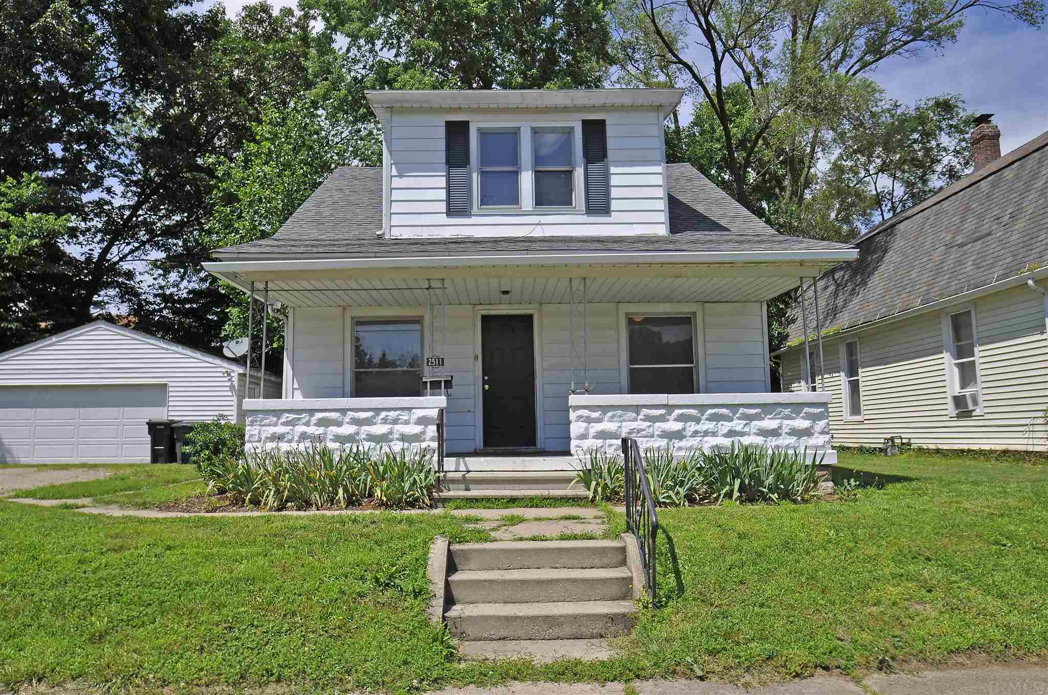 2511 Pleasant South Bend, IN 46615