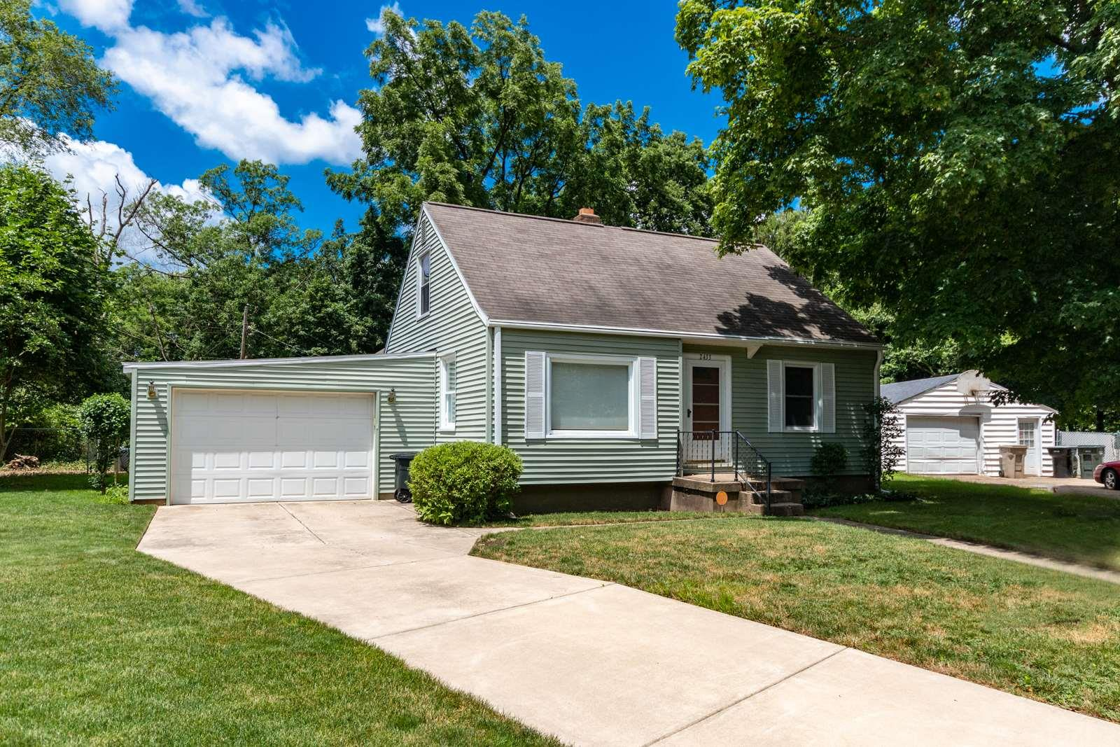 2433 Inglewood South Bend, IN 46628