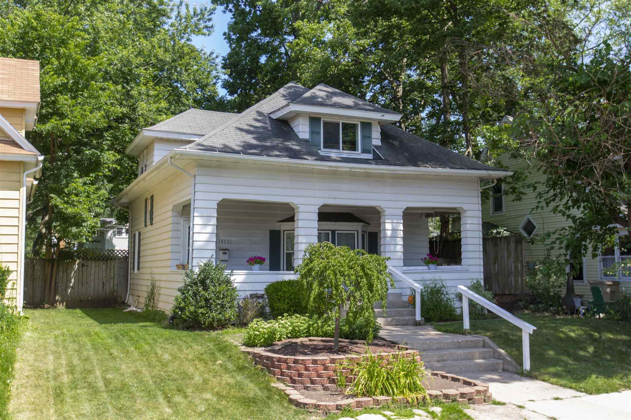 1016 Clover South Bend, IN 46615