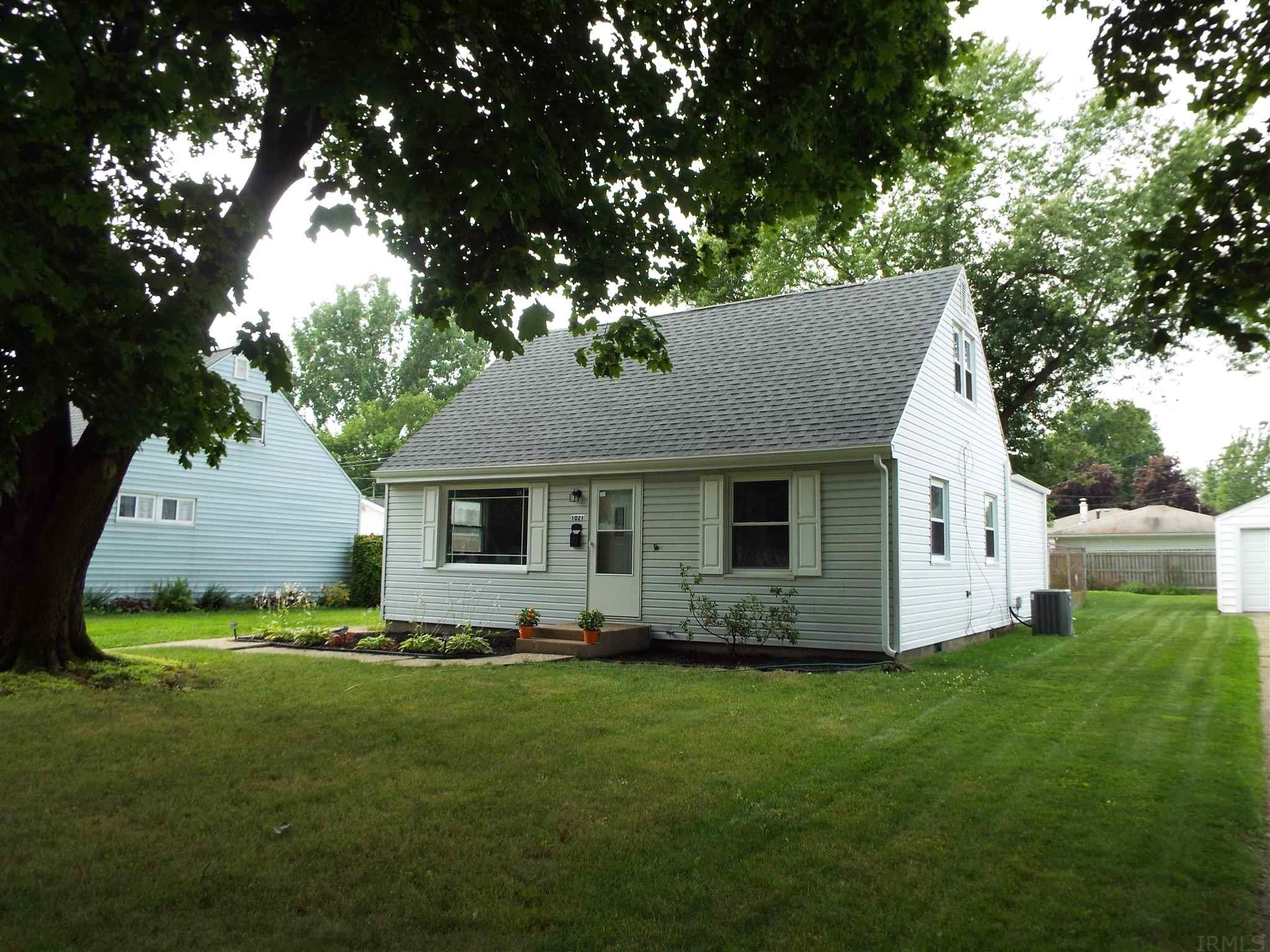1021 Barberry South Bend, IN 46619