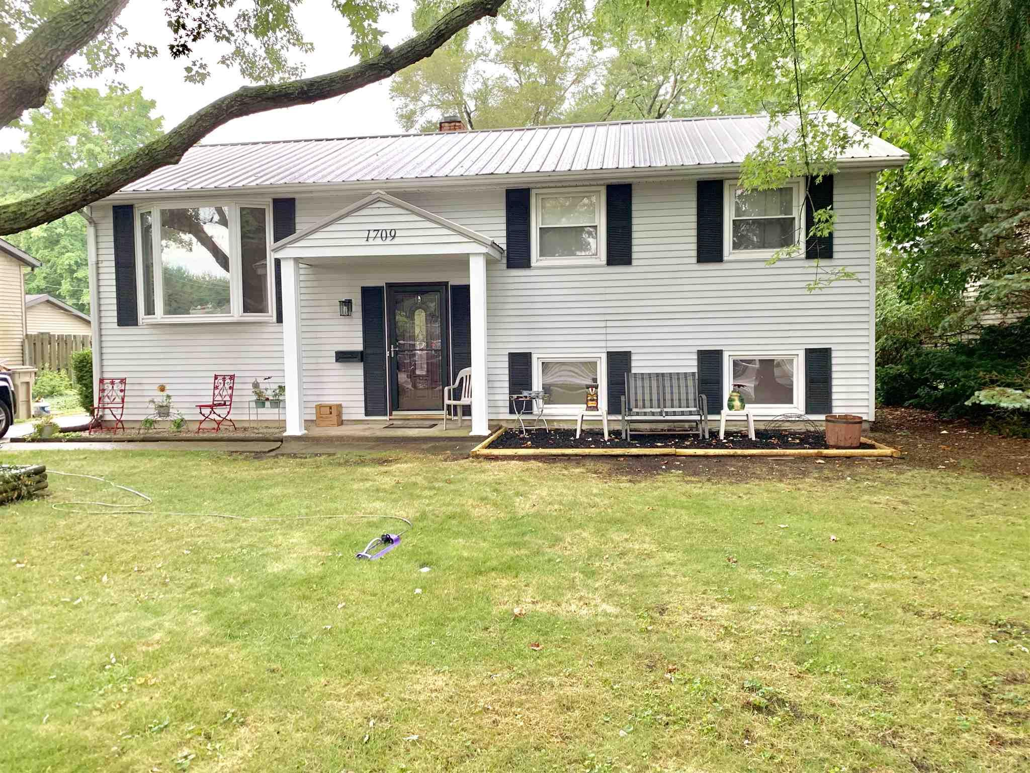 1709 Sterling South Bend, IN 46635