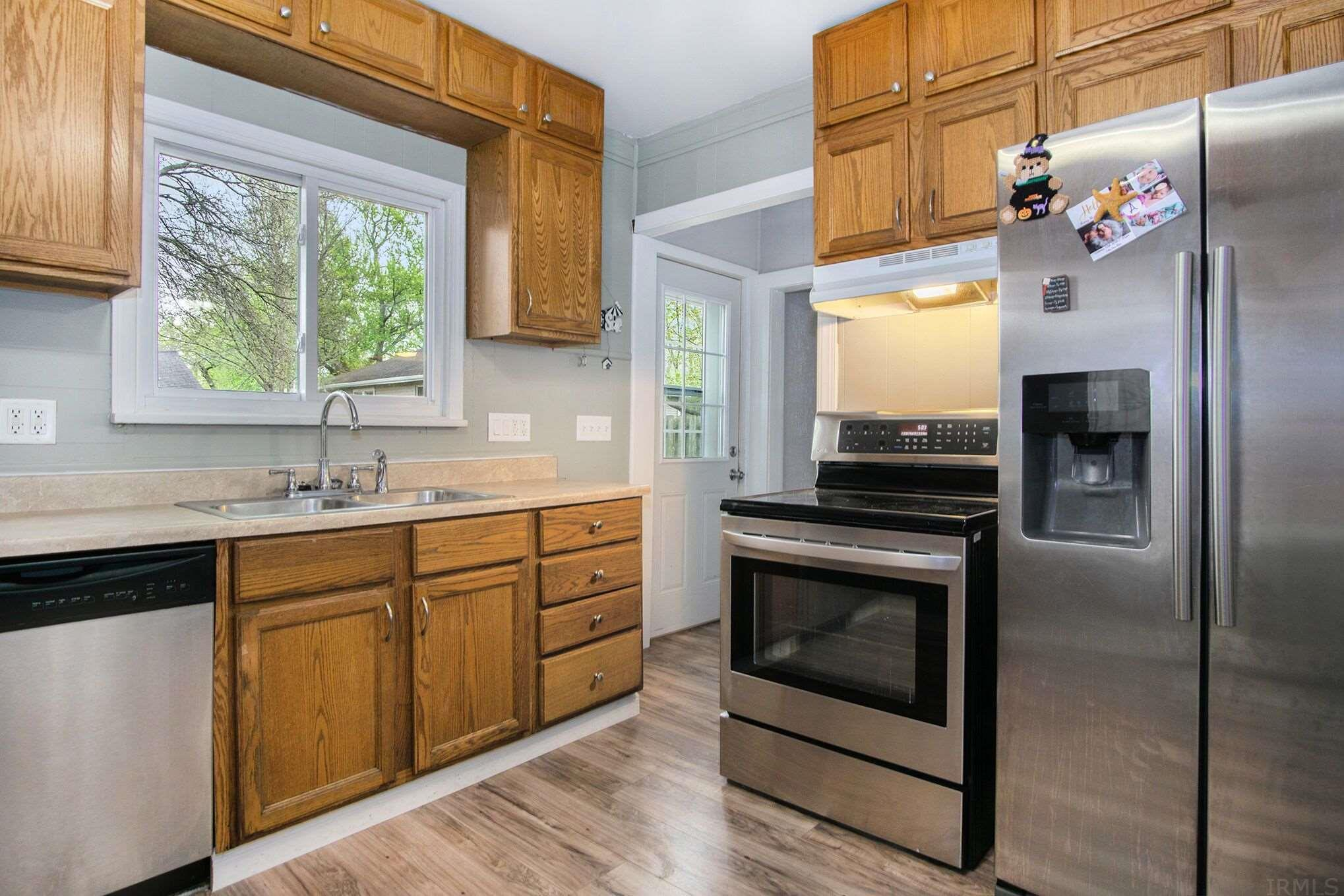 1210 S 29TH South Bend, IN 46615