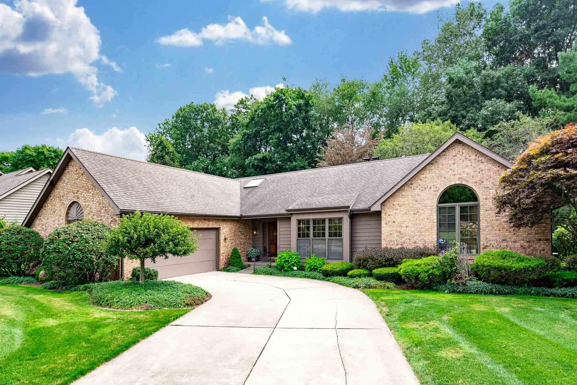 16290 Oak Hill Granger, IN 46530