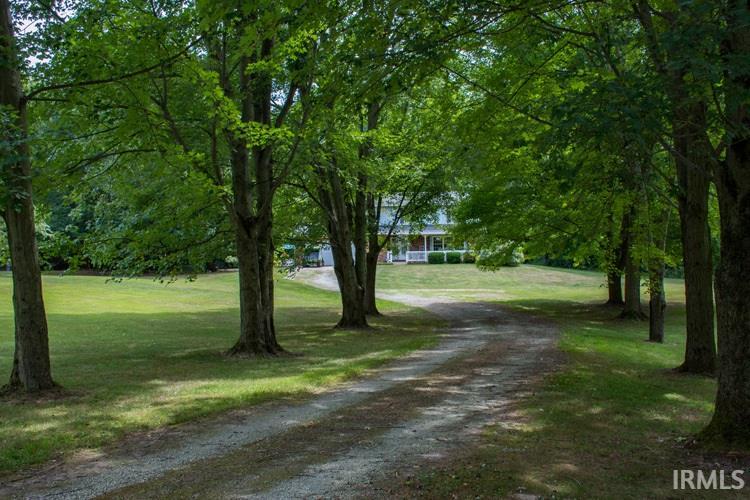22600 Quinn Lakeville, IN 46536