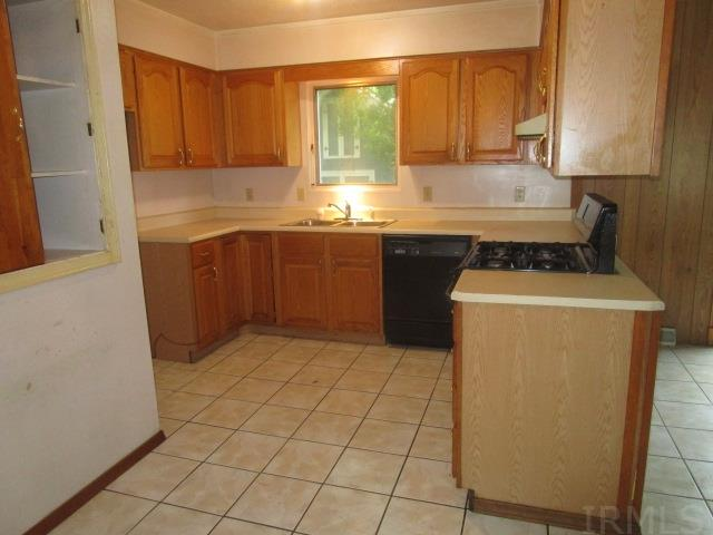 1139 N Ironwood South Bend, IN 46615
