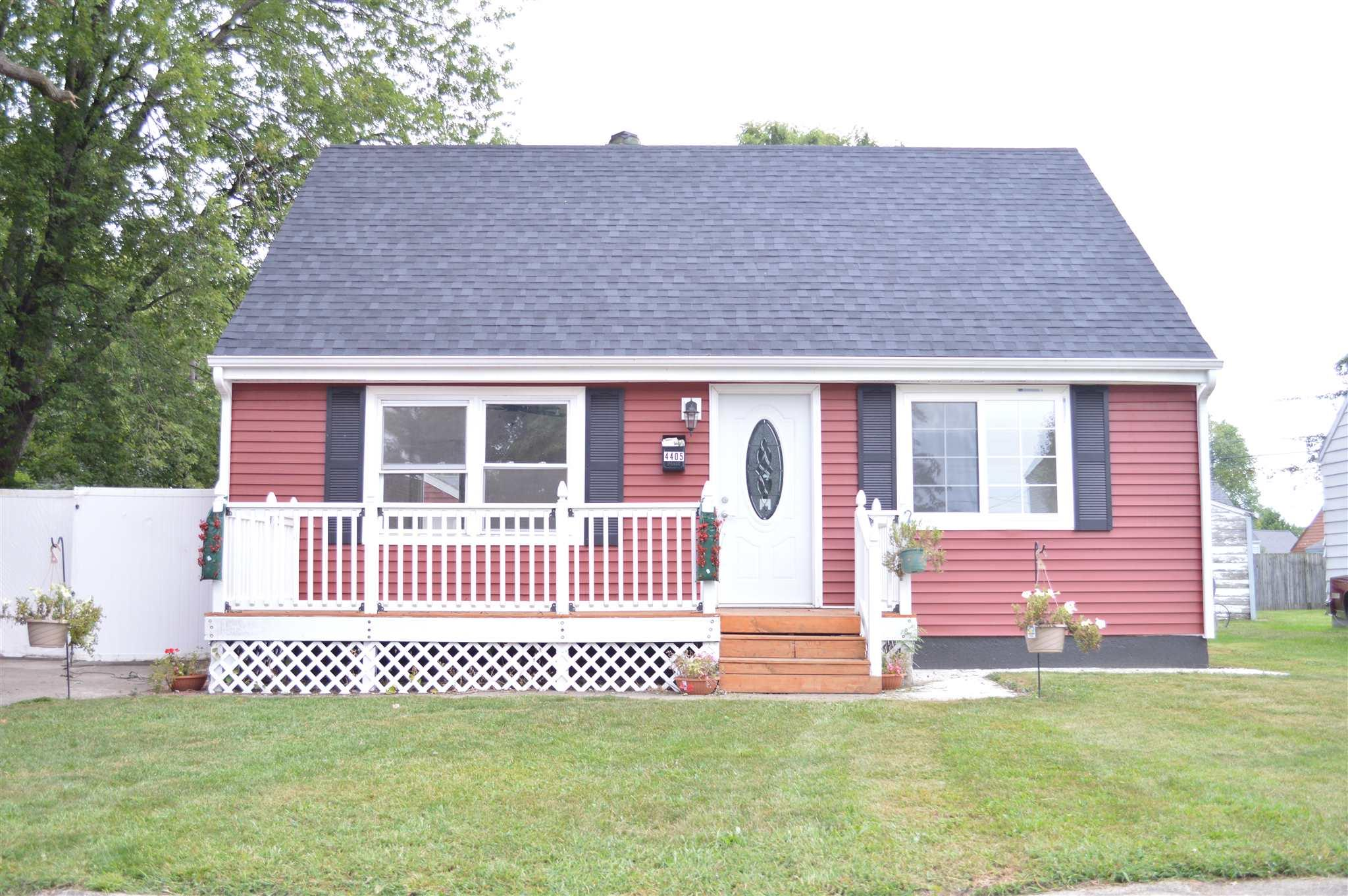4405 Meadow South Bend, IN 46619