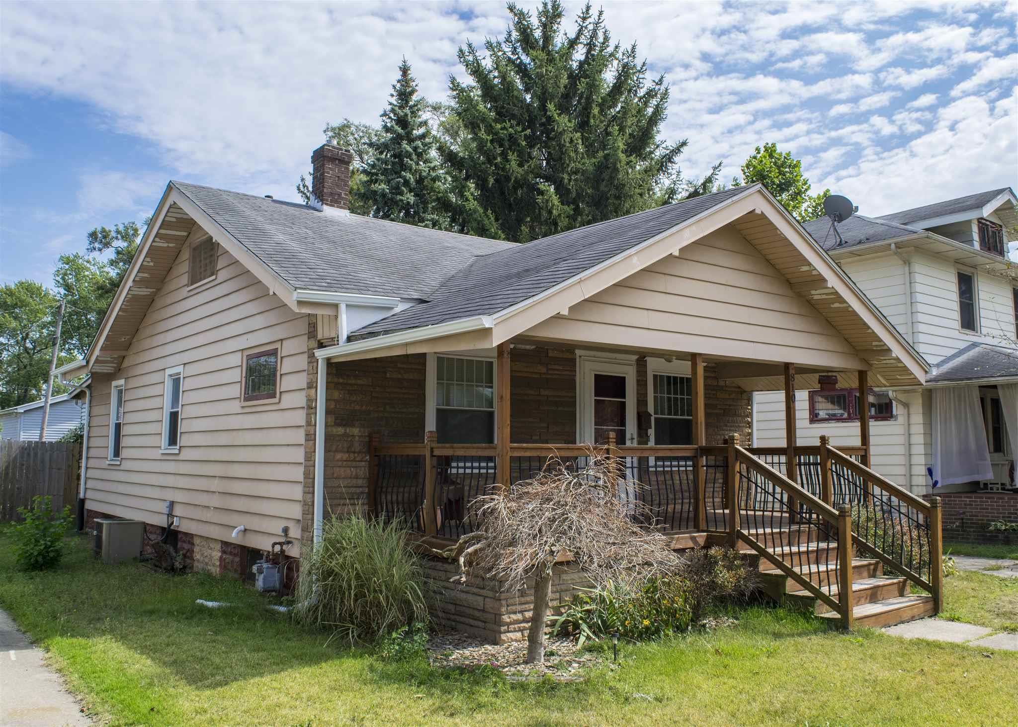 810 S 30TH South Bend, IN 46615
