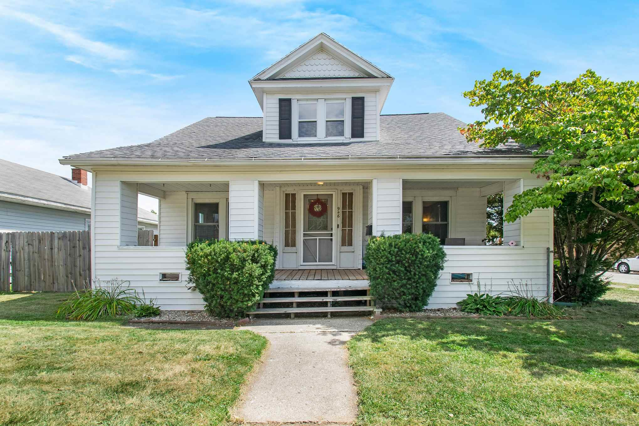 946 S 28TH South Bend, IN 46615