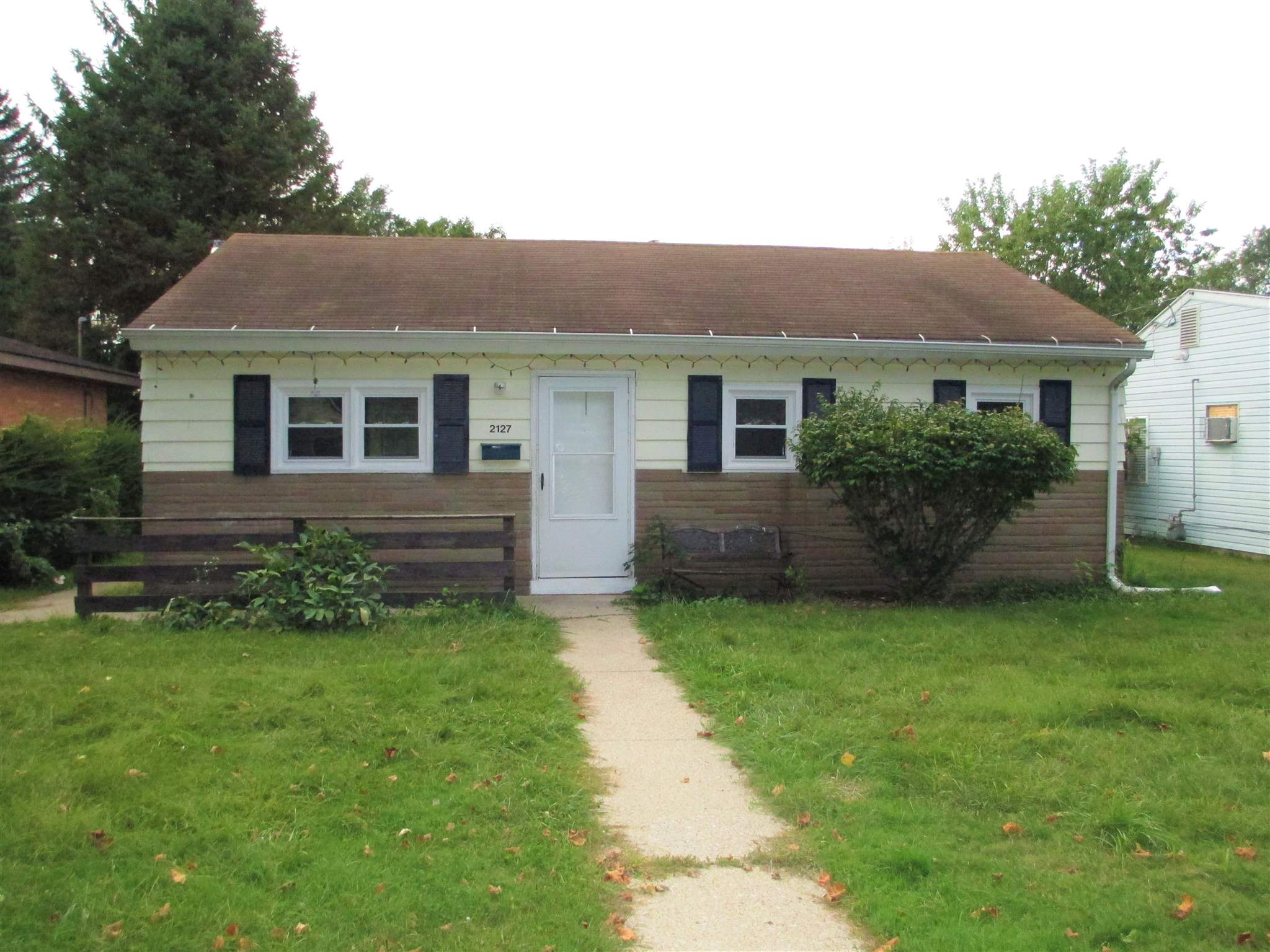 2127 S Gertrude South Bend, IN 46613