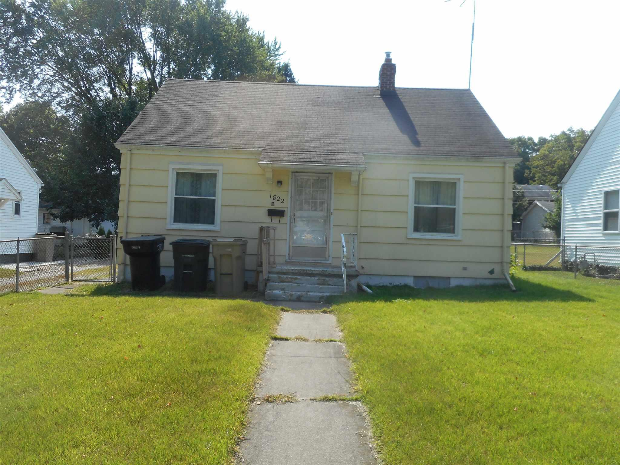 1822 Donald South Bend, IN 46613
