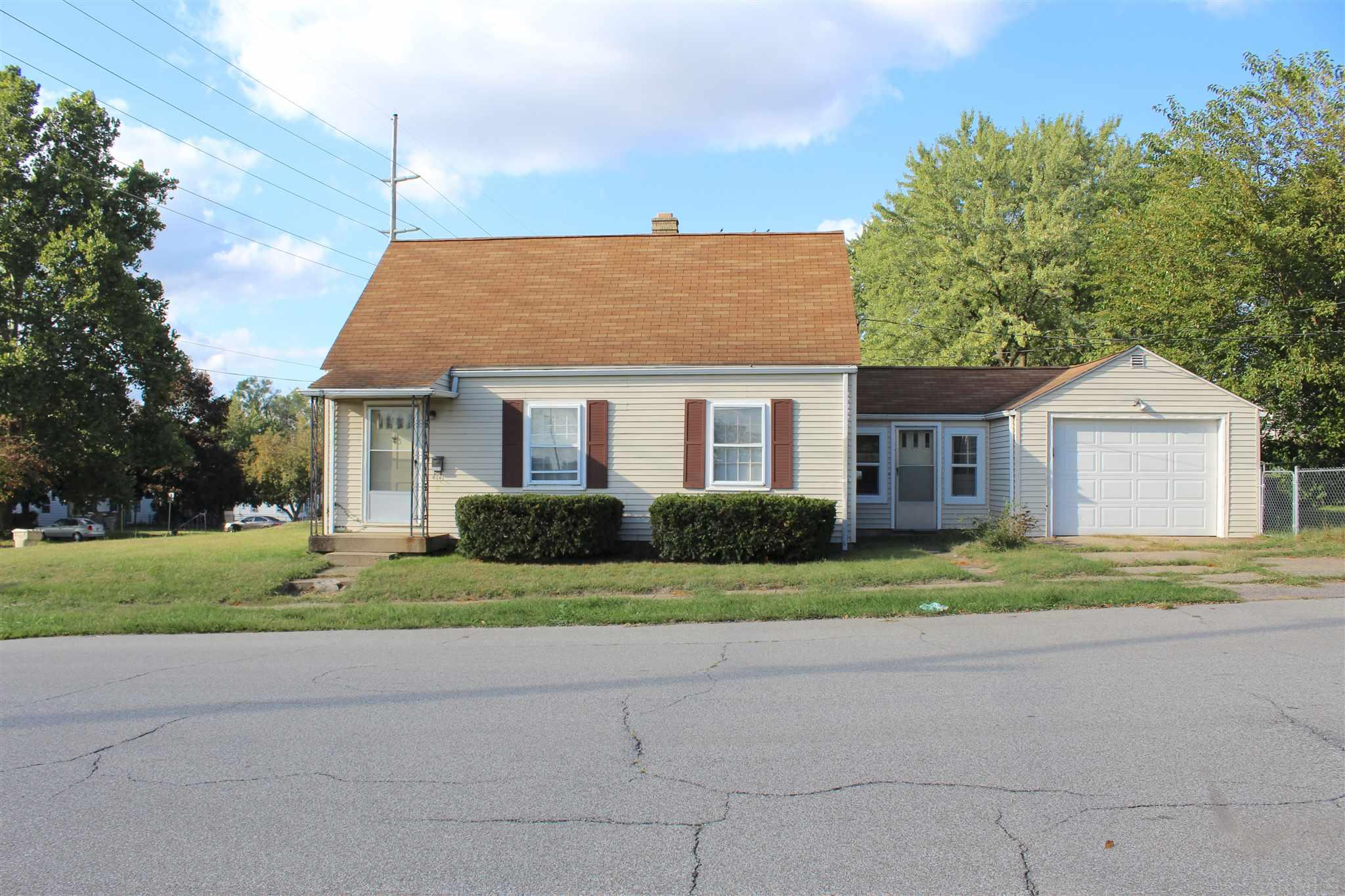 3326 S Main South Bend, IN 46614