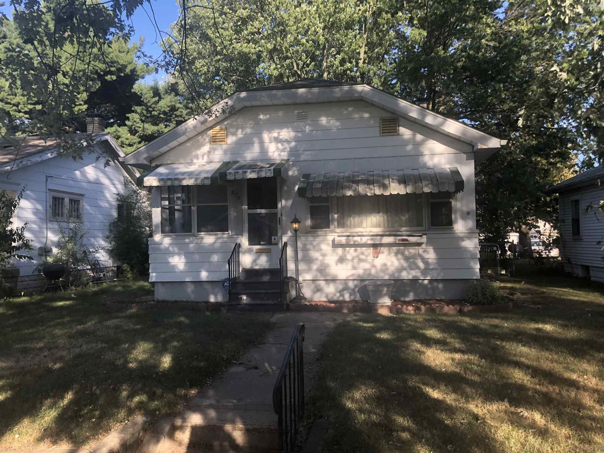 526 S 30TH South Bend, IN 46615