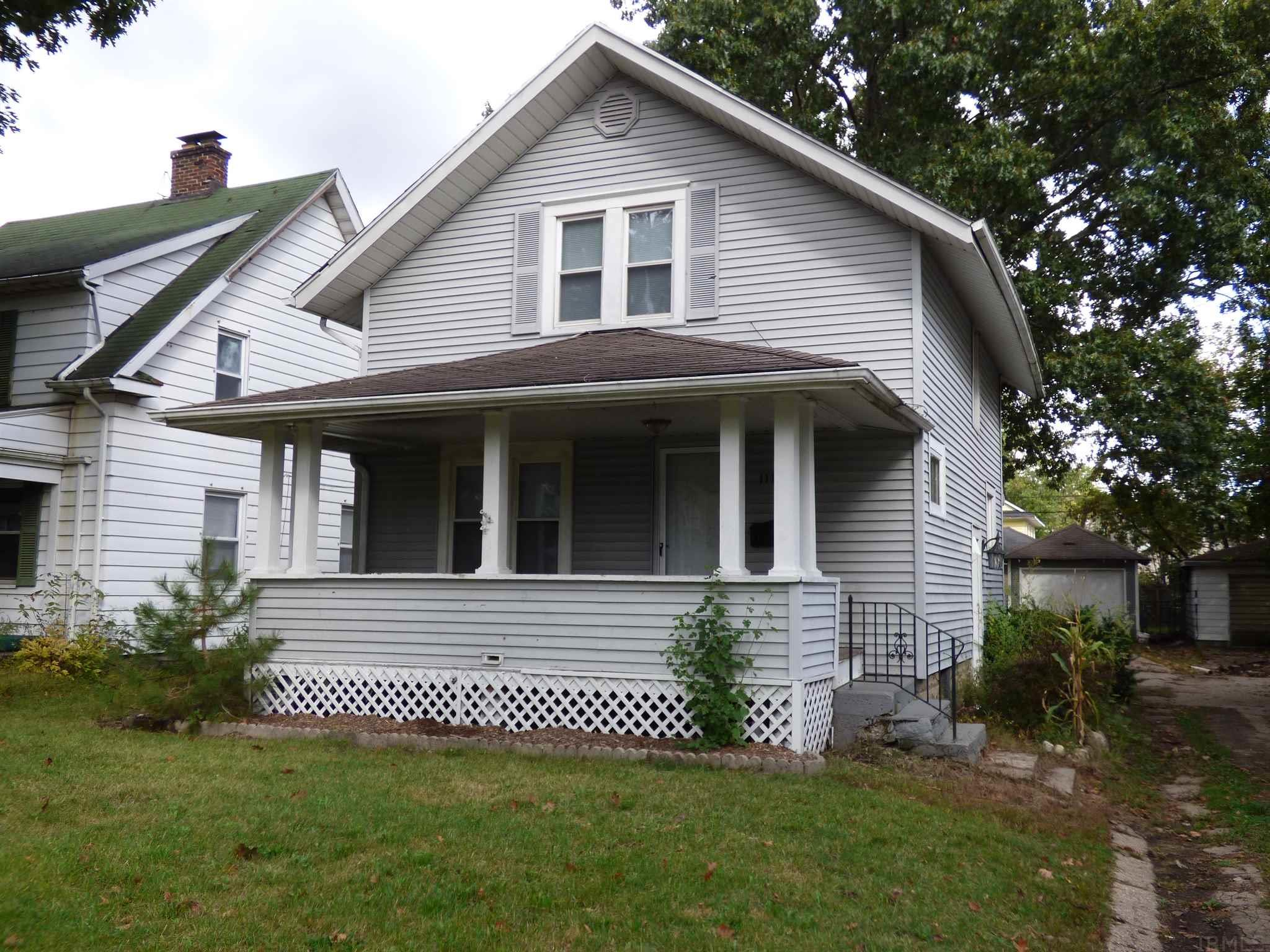 1118 Cleveland South Bend, IN 46628